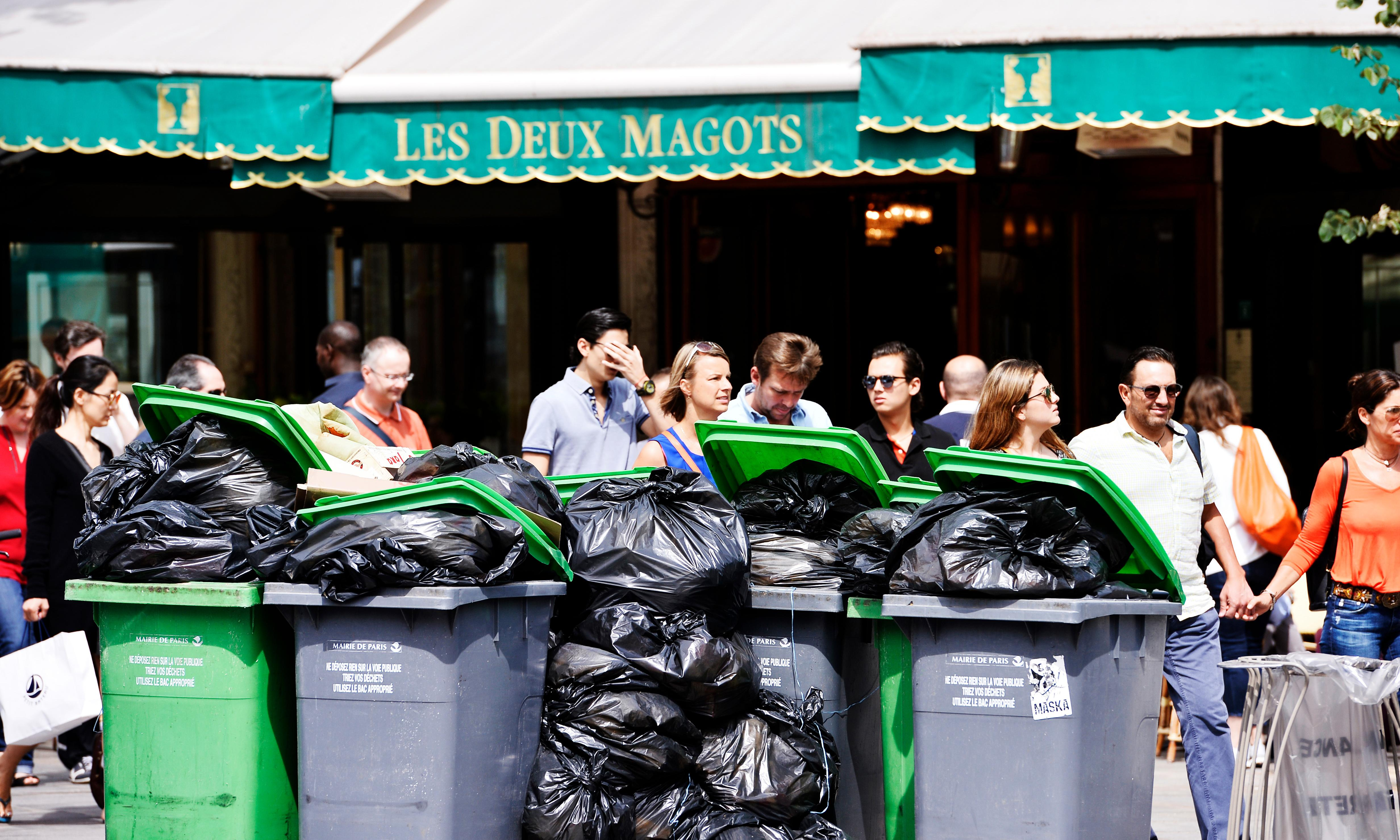 Paris, city of romance, rues new image as the dirty man of Europe