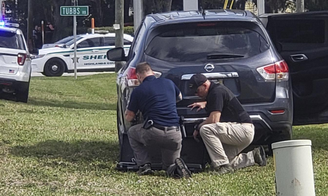 Florida bank shooting leaves at least five dead