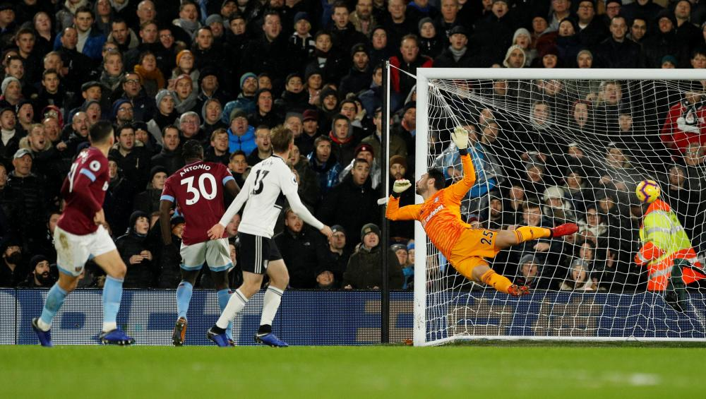 West Ham's Robert Snodgrass bends in a first-time shot past Rico.