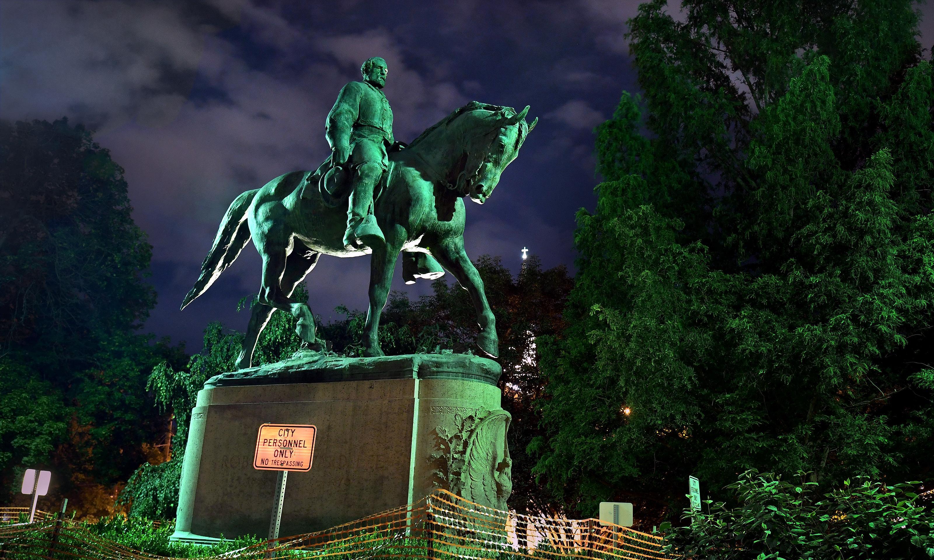 Judge blocks attempt to remove Charlottesville Confederate statues