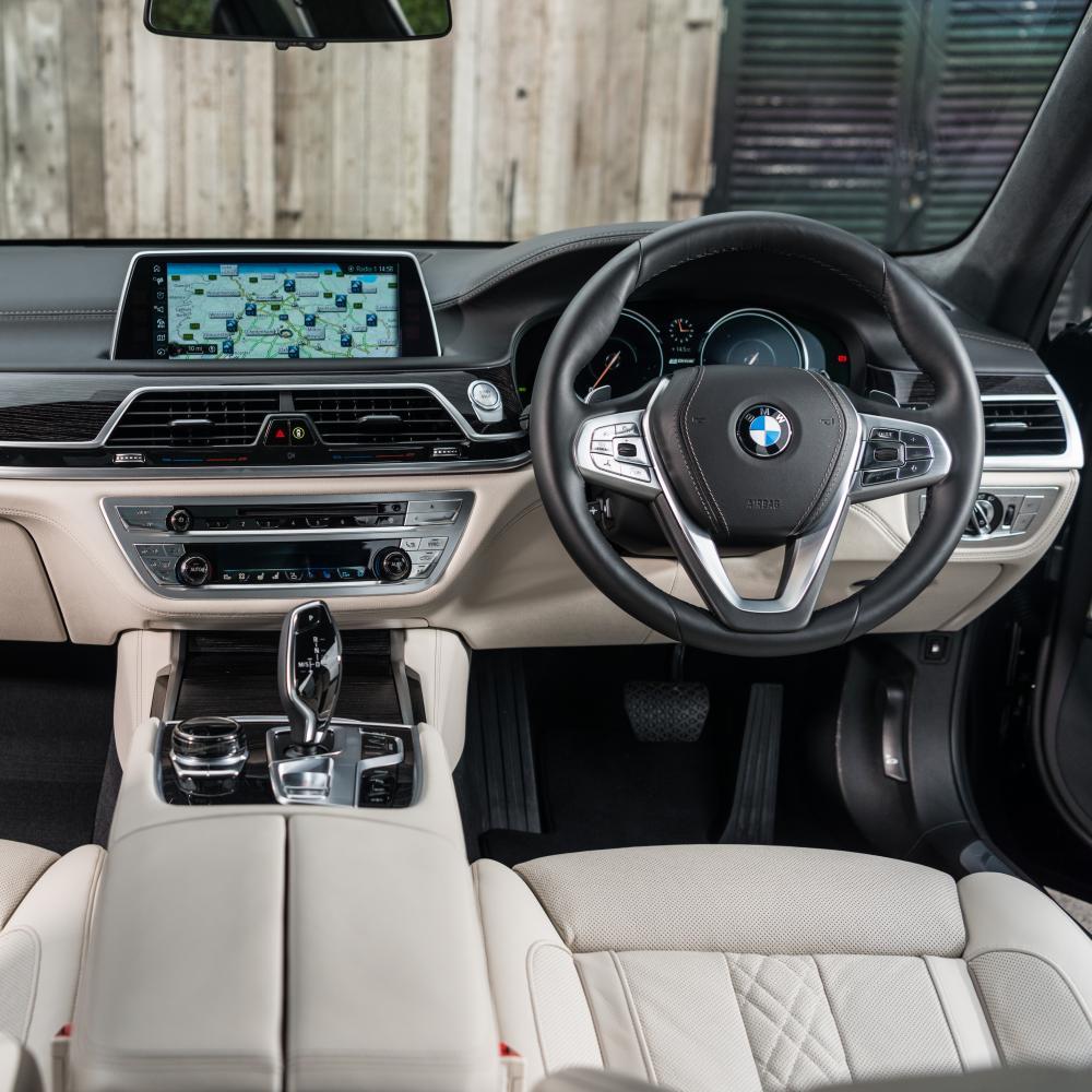 BMW 740 Le interior