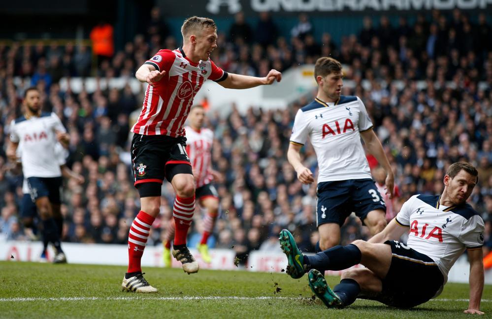 Southampton's James Ward-Prowse scores to make it 2-1
