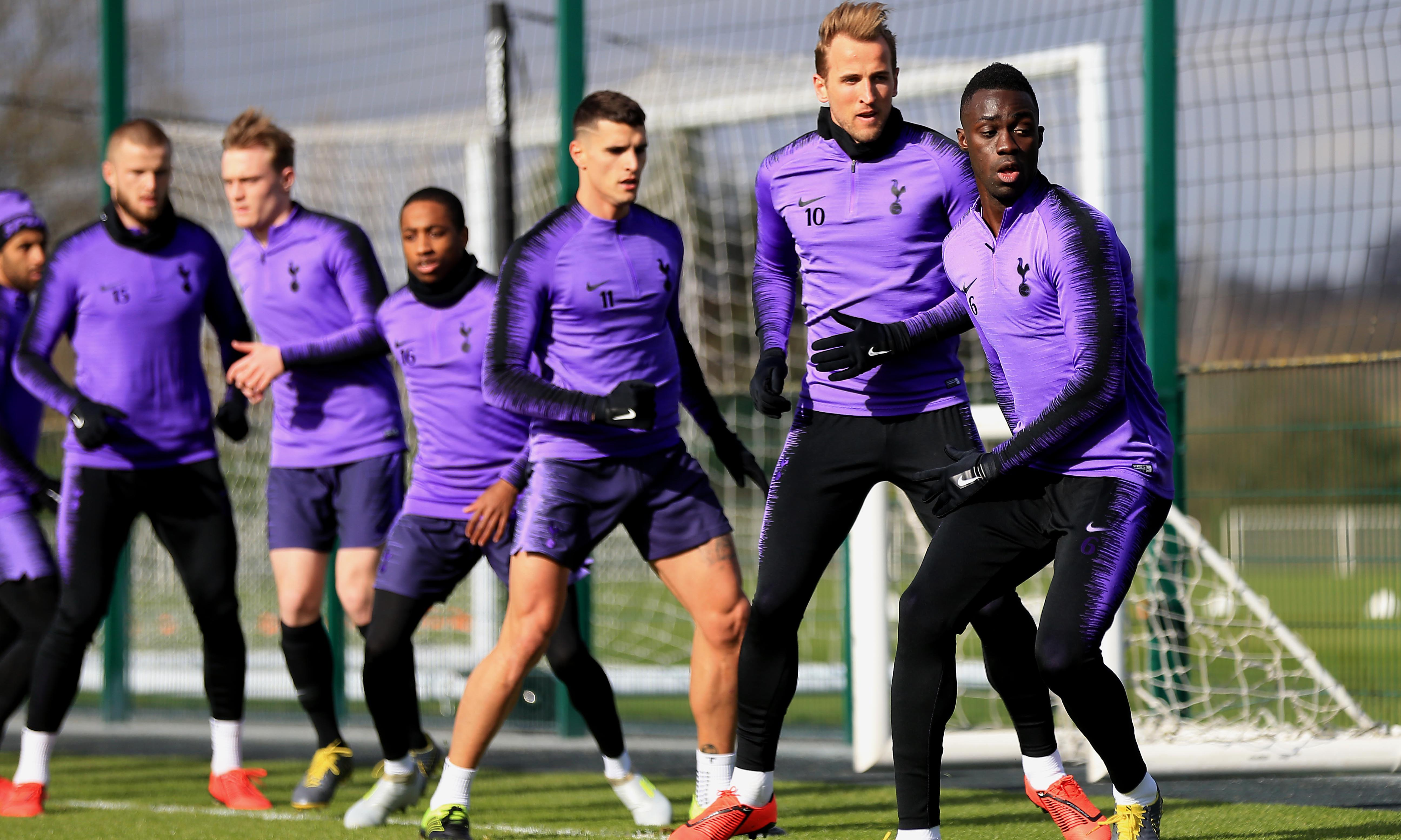 Mauricio Pochettino urges Spurs to turn screw on Manchester City and Liverpool