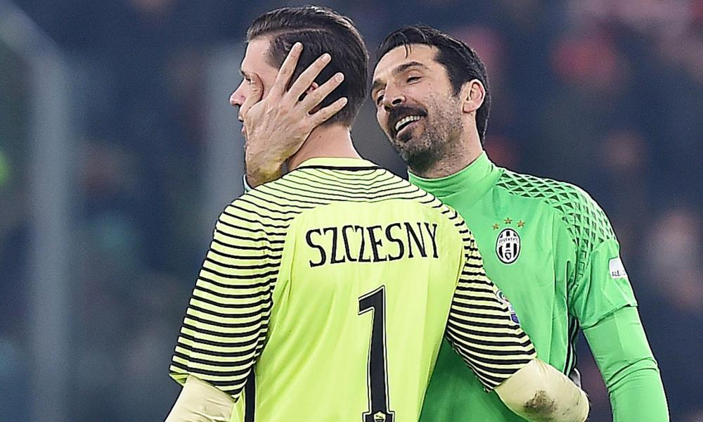 Szczesny with Gianluigi Buffon after Roma played Juventus in December.