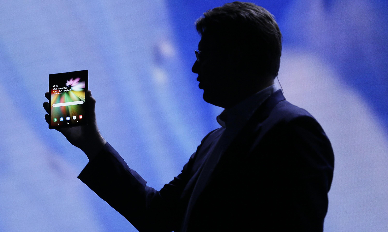 Samsung surprises market with first-quarter profit warning