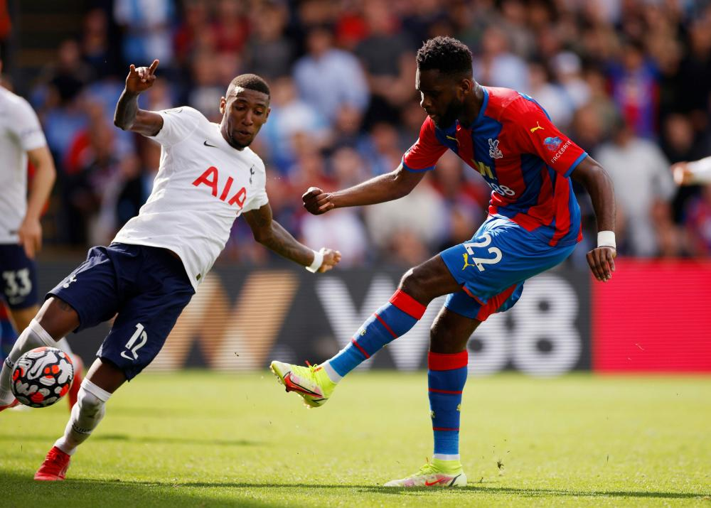 Odsonne Edouard fires home his second, and Crystal Palace's third goal.