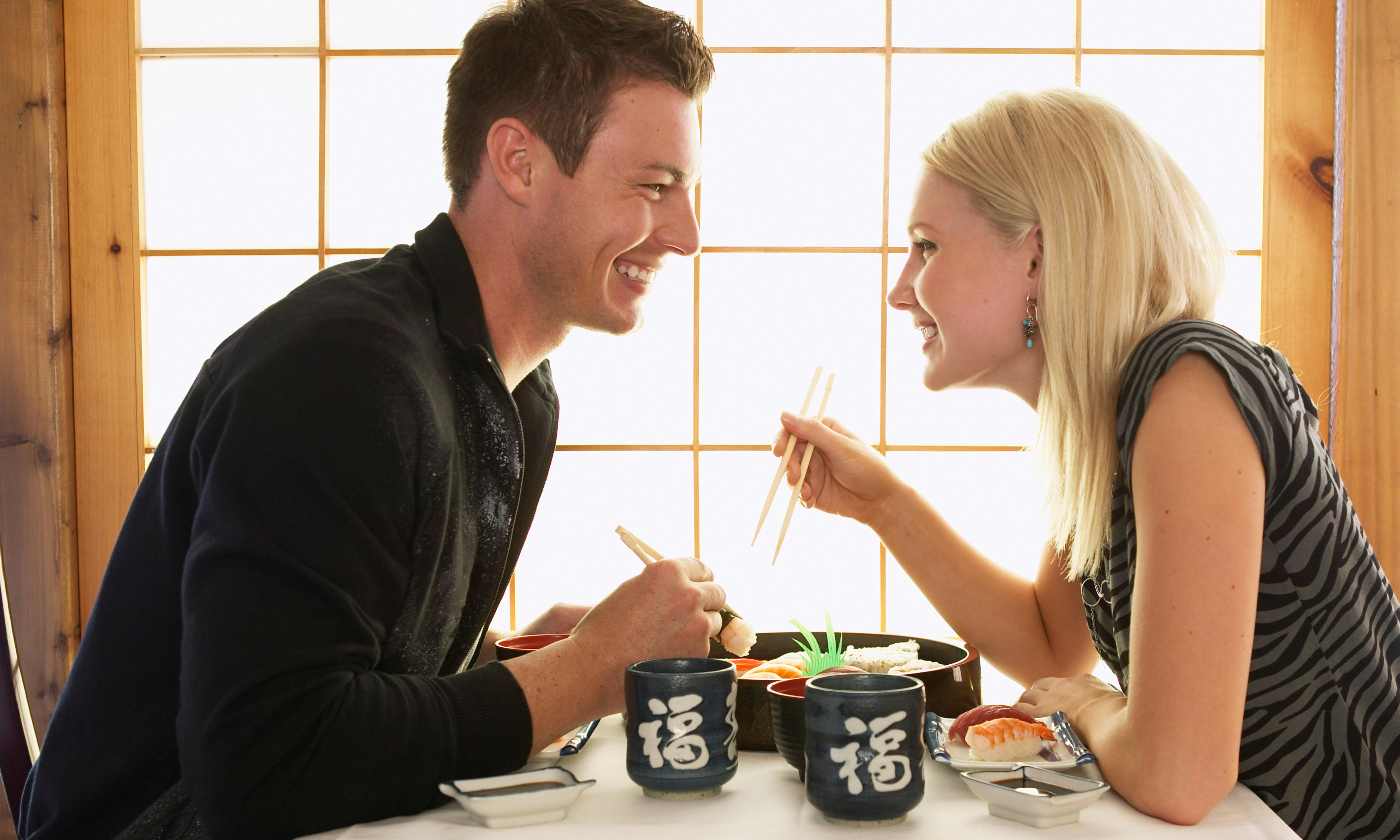 How to eat on a first date to make sure you get a second one