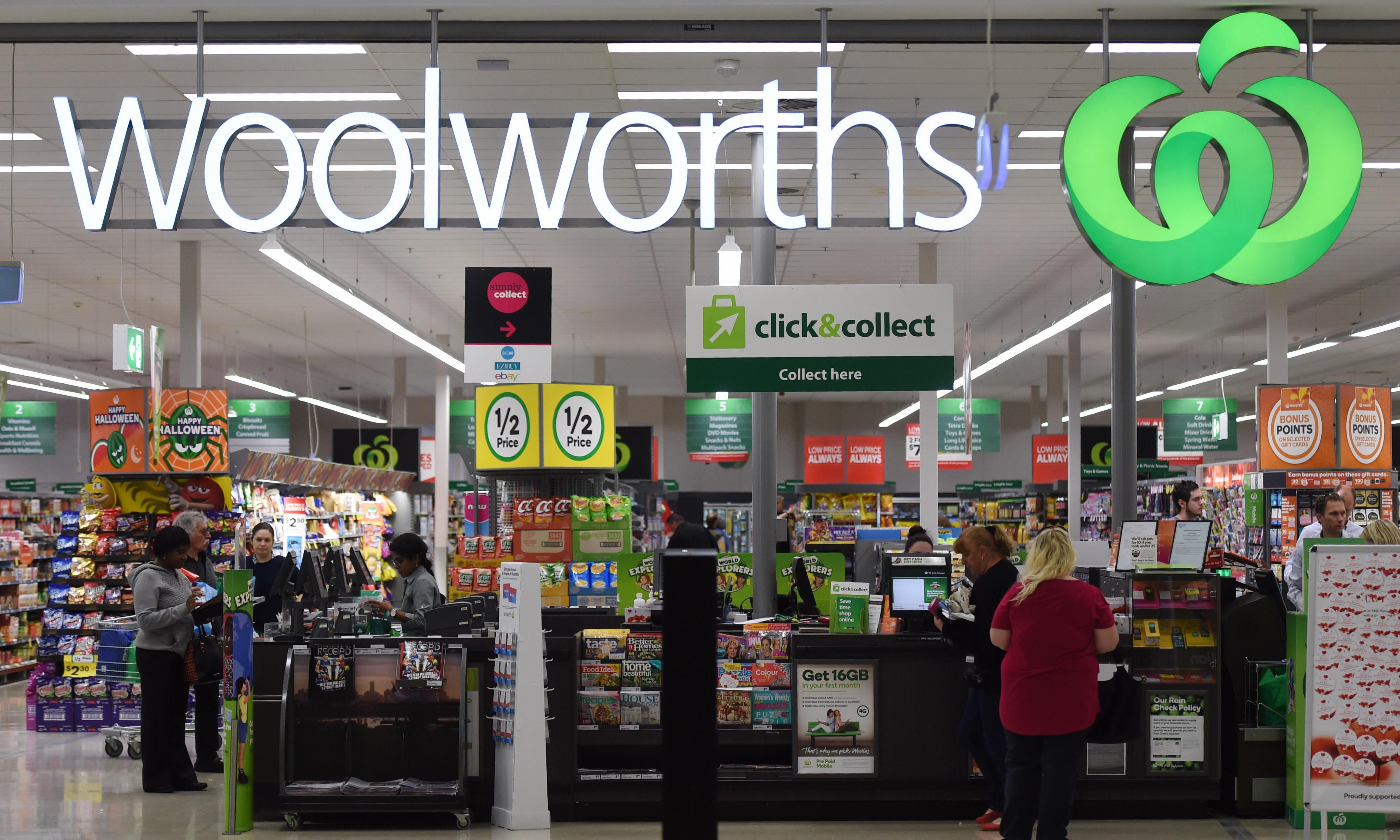 Woolworths plan to have staff pack shelves on Christmas Day blocked