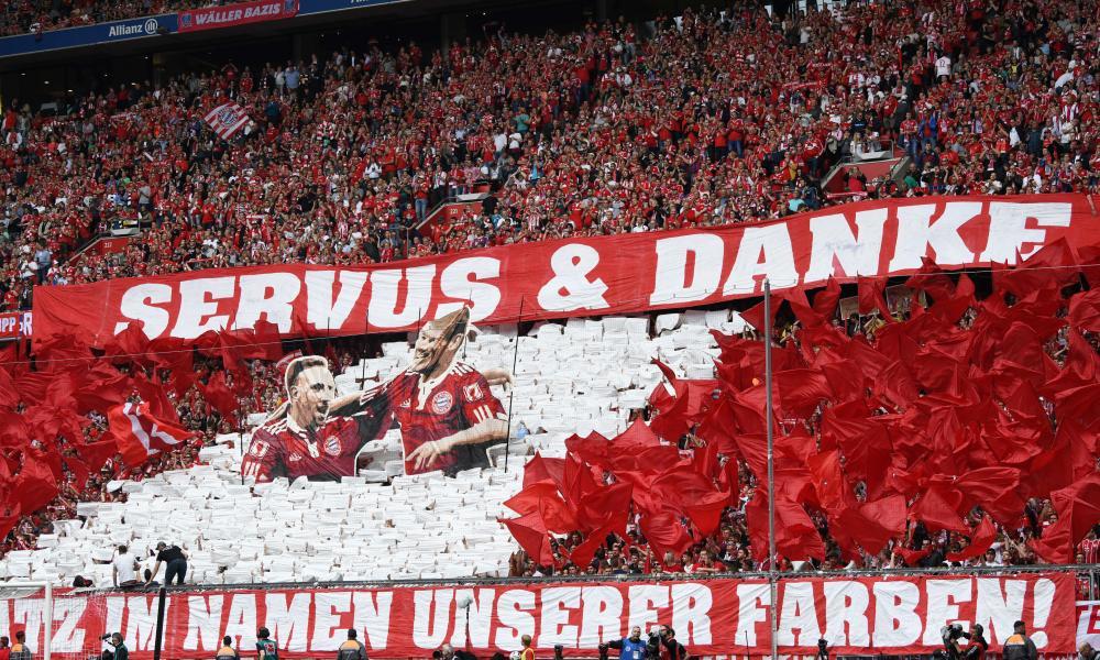 Bayern Munich fans bid farewell to Arjen Robben and Franck Ribéry.