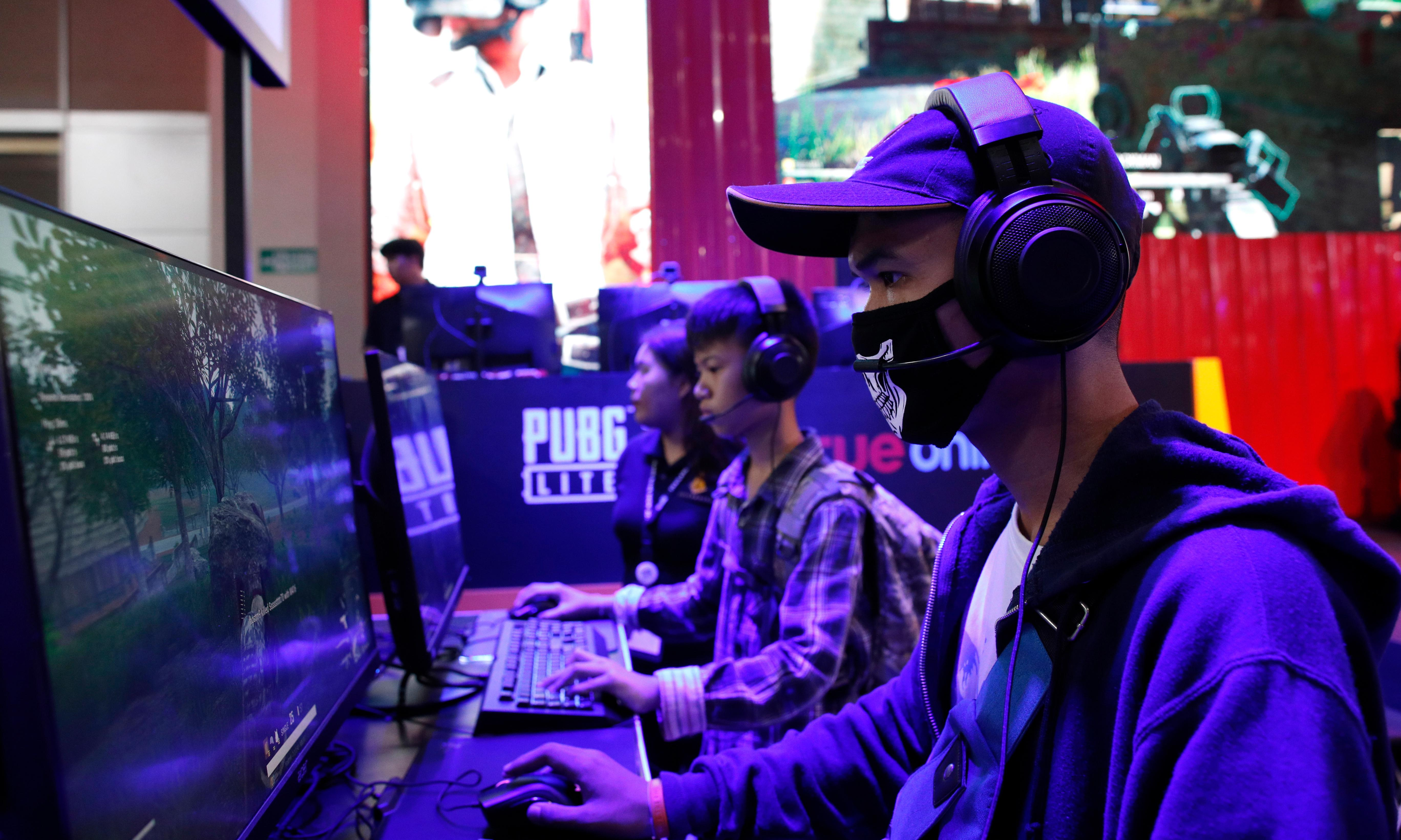 China bans children from late-night gaming to combat addiction