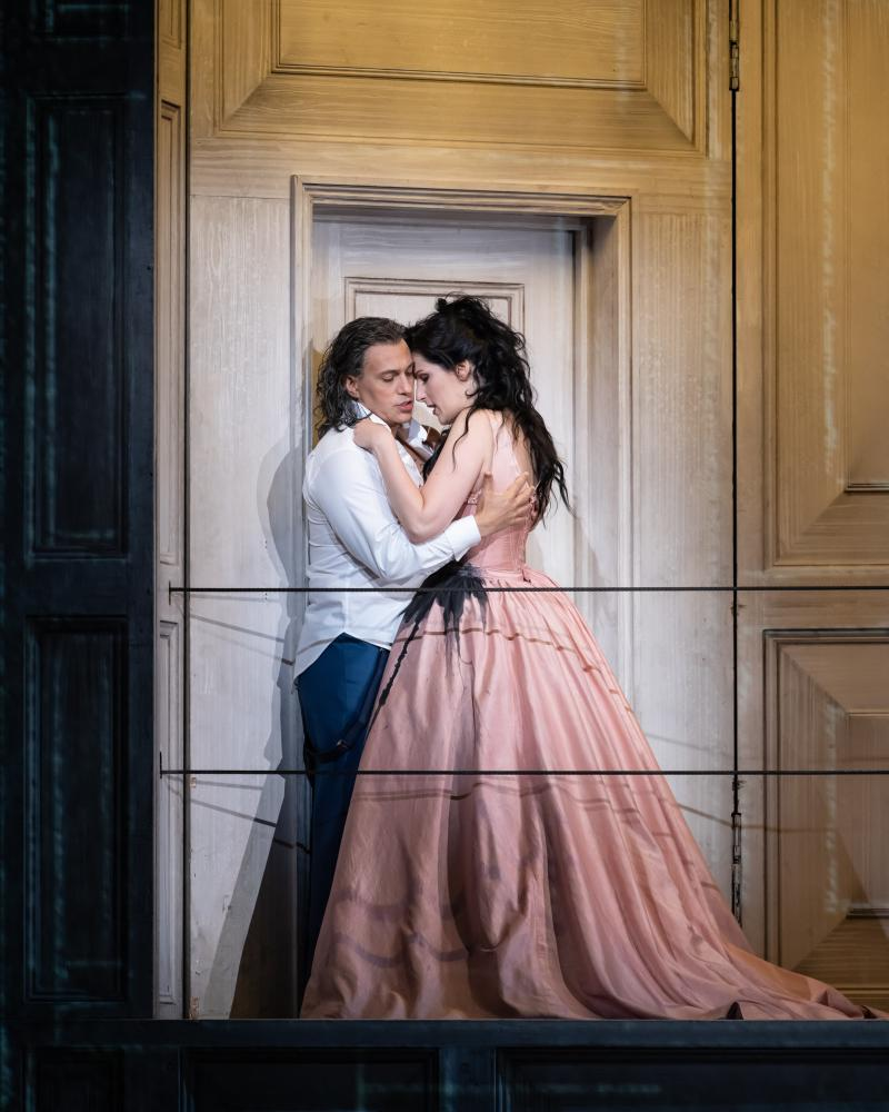 Erwin Schrott and ??? in Don Giovanni at the Royal Opera House.
