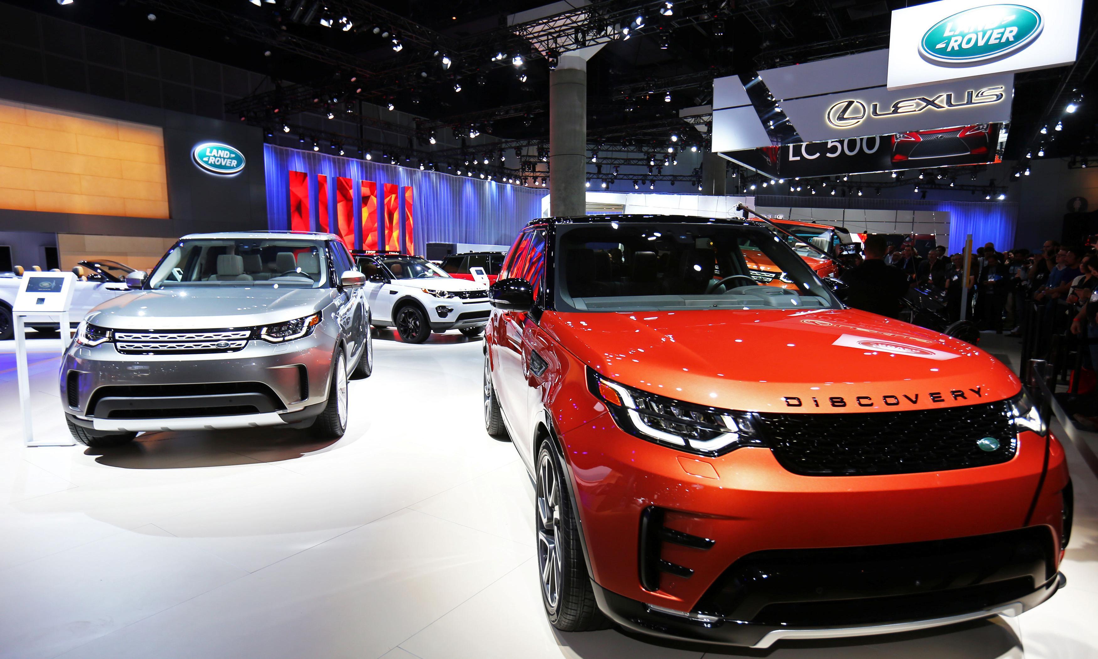 Jaguar Land Rover recalls 44,000 cars over carbon dioxide levels