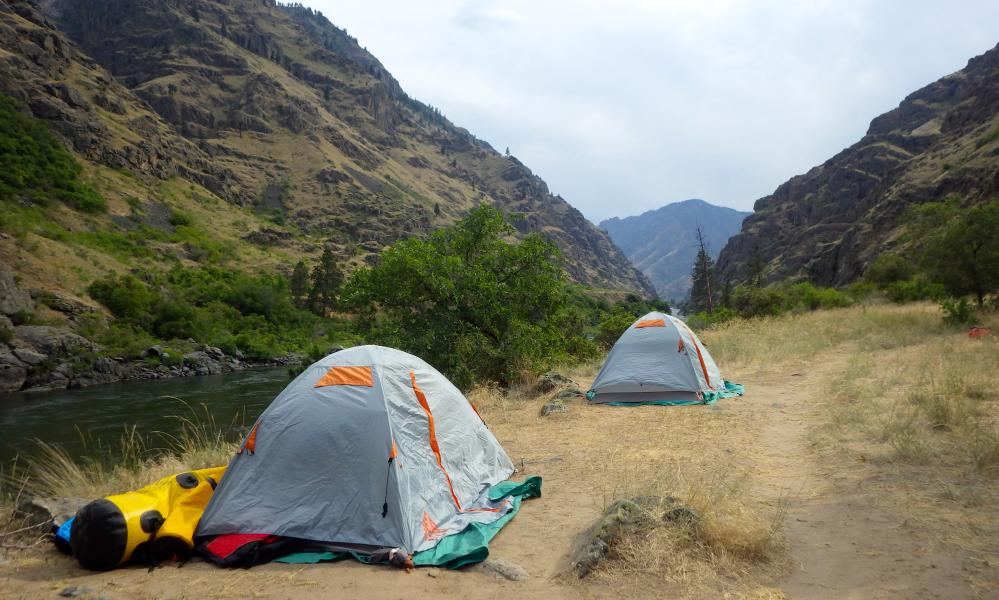 Campsite along the Hells Canyon where the Row Adventures travellers stayed in single- and double-occupancy tents.