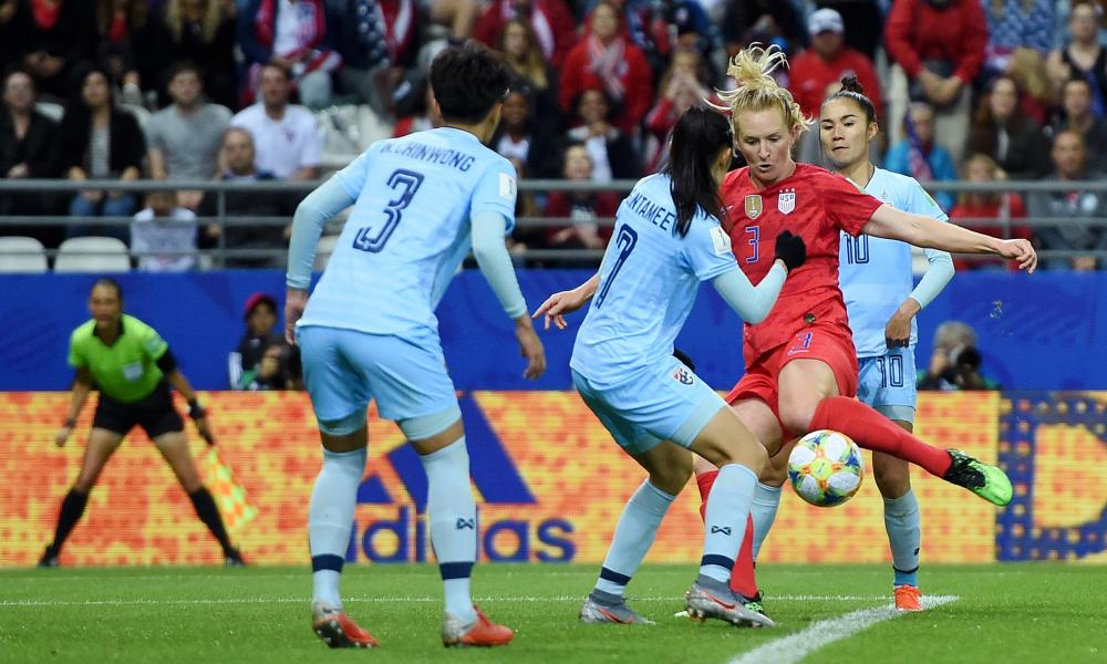 Samantha Mewis of the USA scores her team's sixth goal.