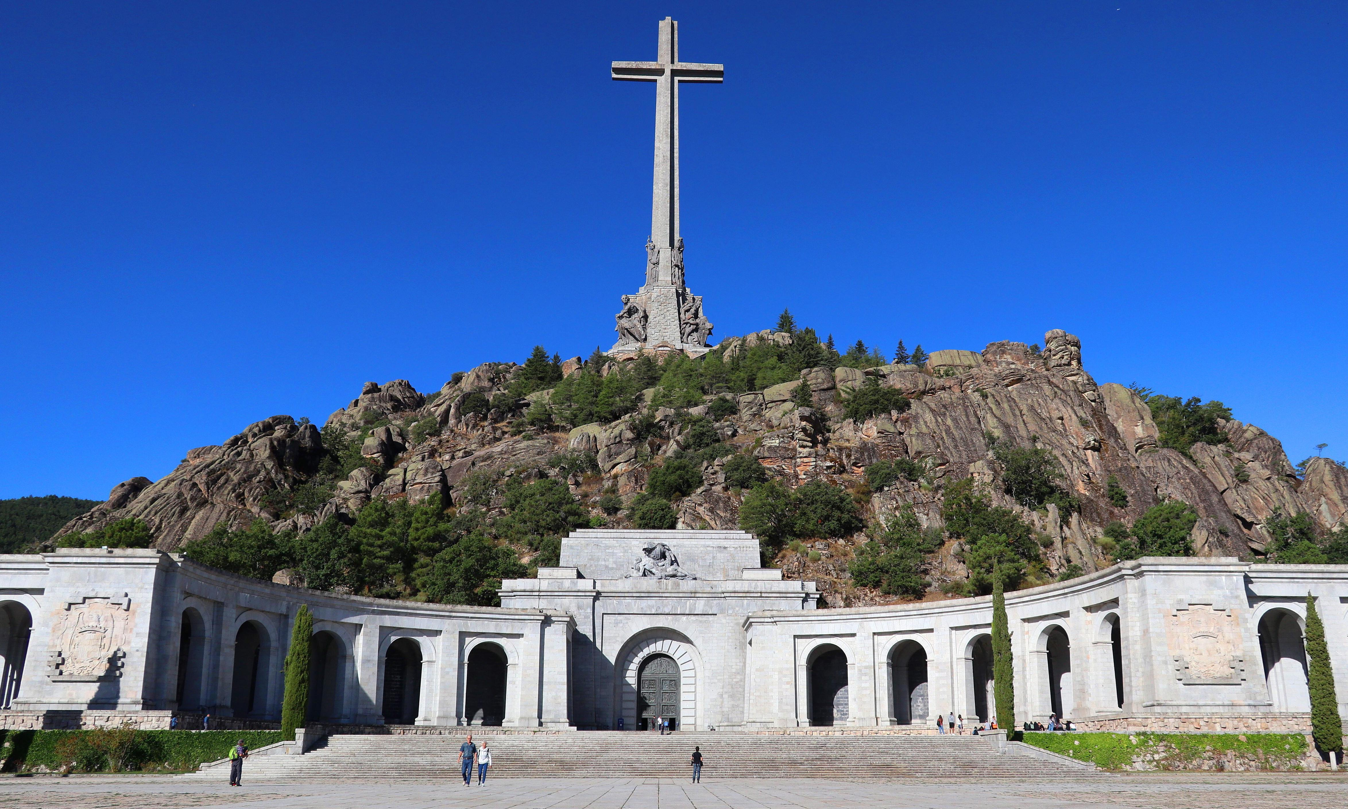 Francisco Franco's remains to be moved in next two weeks