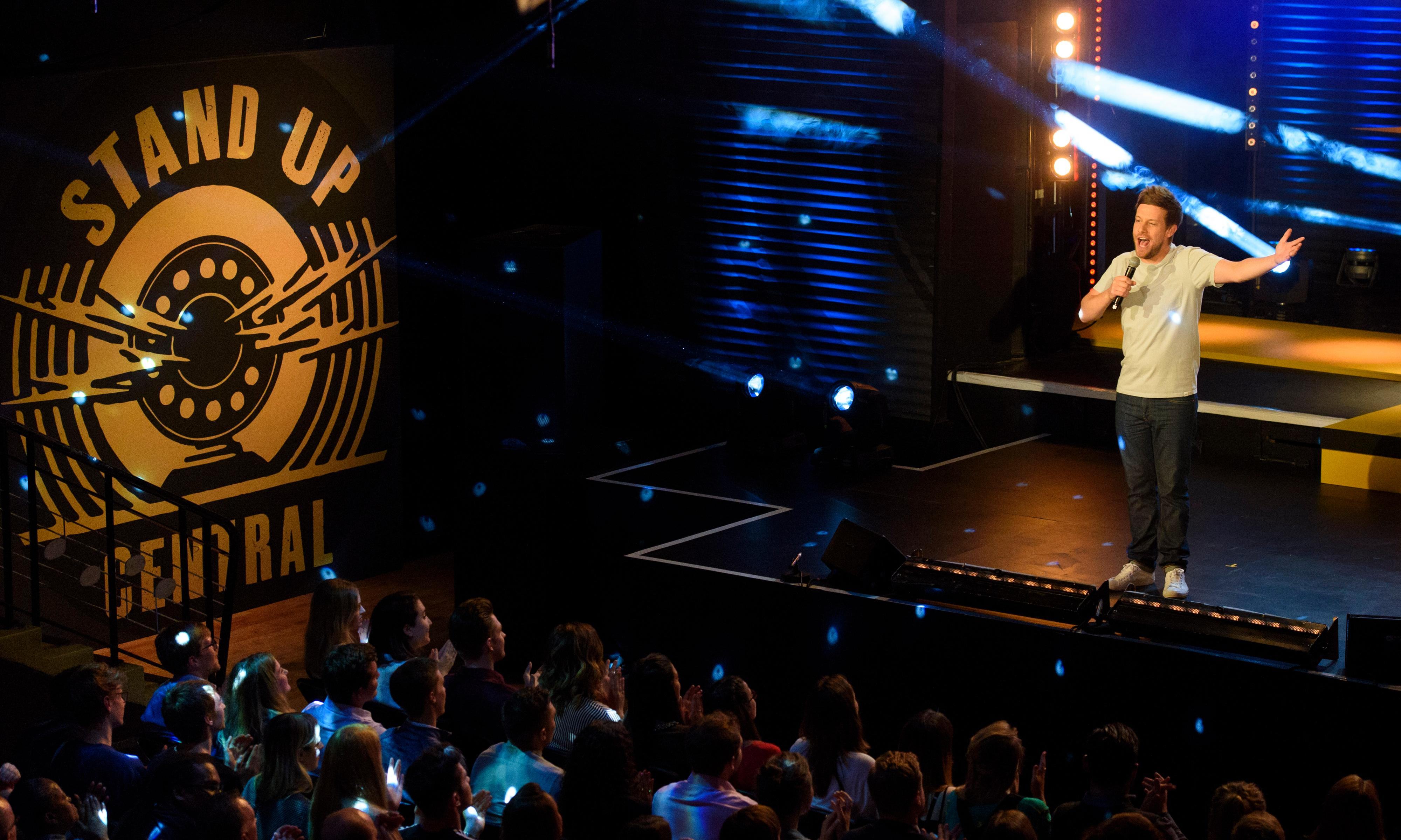 Learning laughter: an expert's guide on how to master standup comedy
