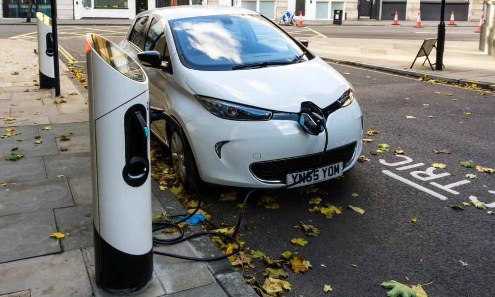 Renault Zoe at a kerbside charging point