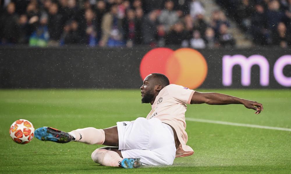 Lukaku shoots from an acute angle.