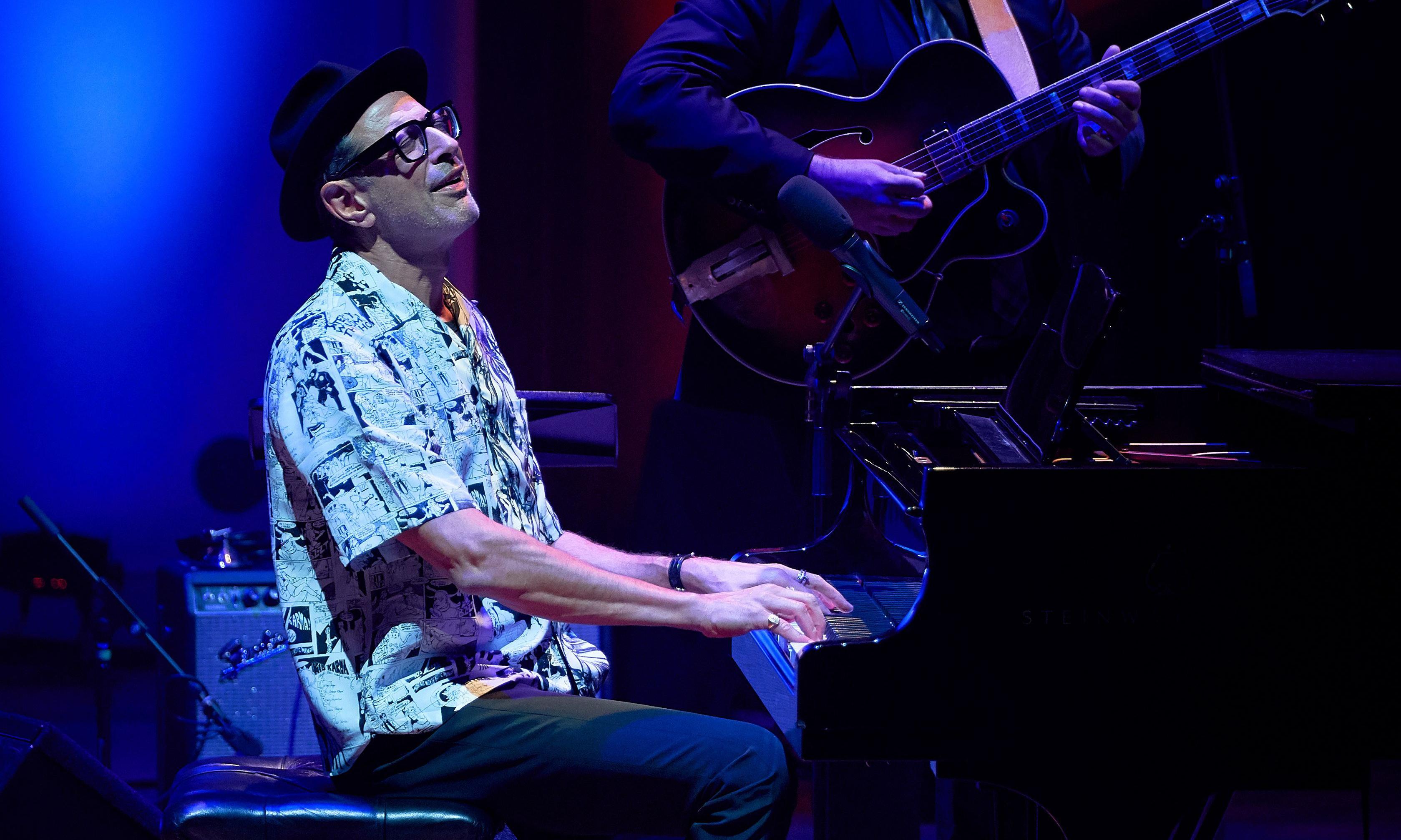 Jeff Goldblum review – showmanship and musicianship joyously combined