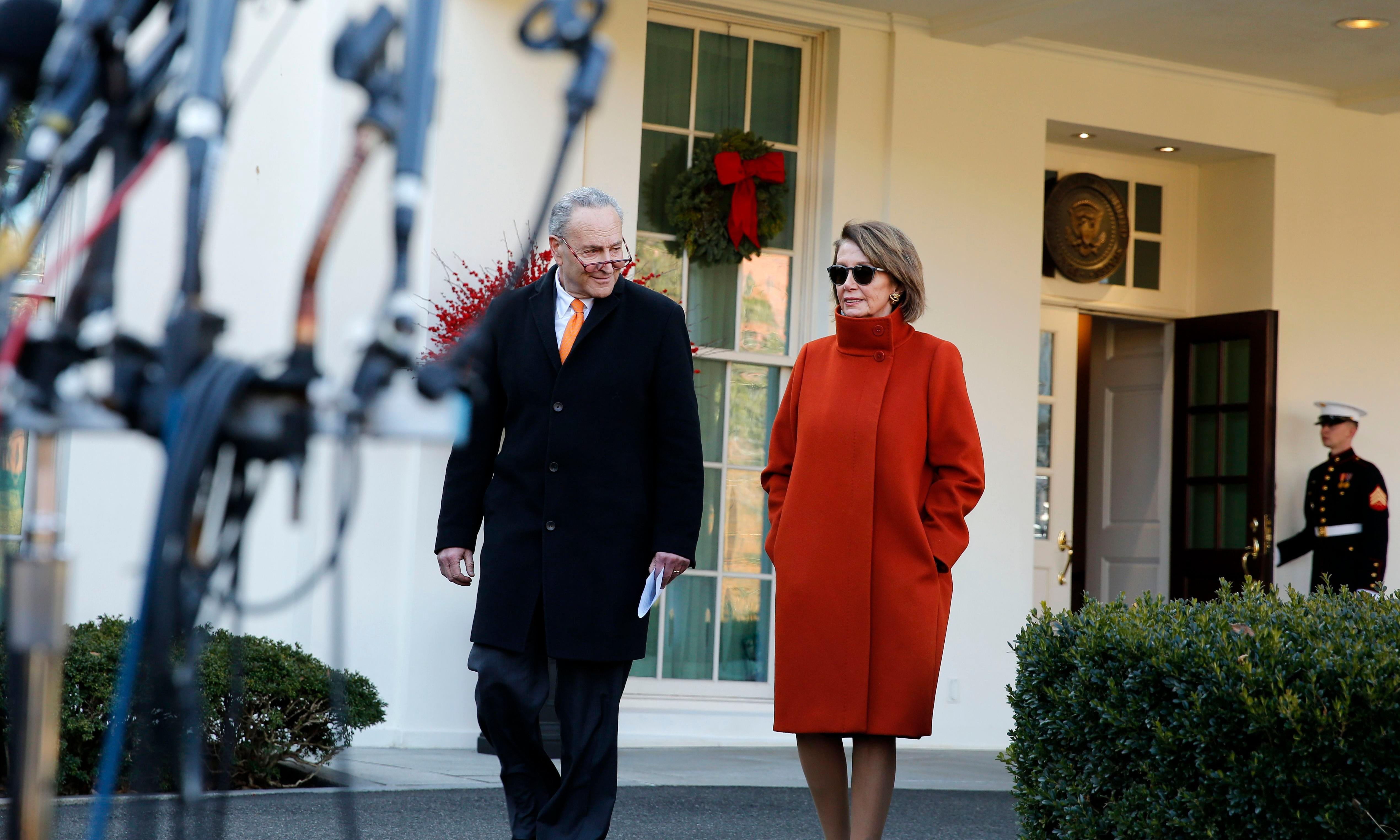Nancy Pelosi on track to become House speaker after agreeing to term limit