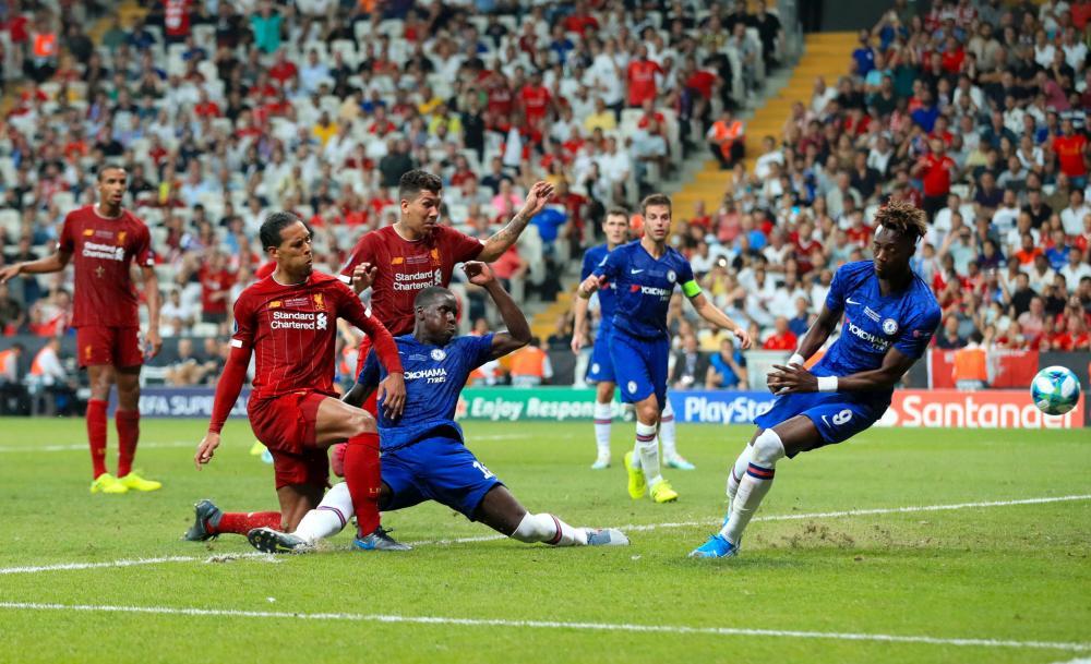 Van Dijk has a shot on goal saved by Kepa.