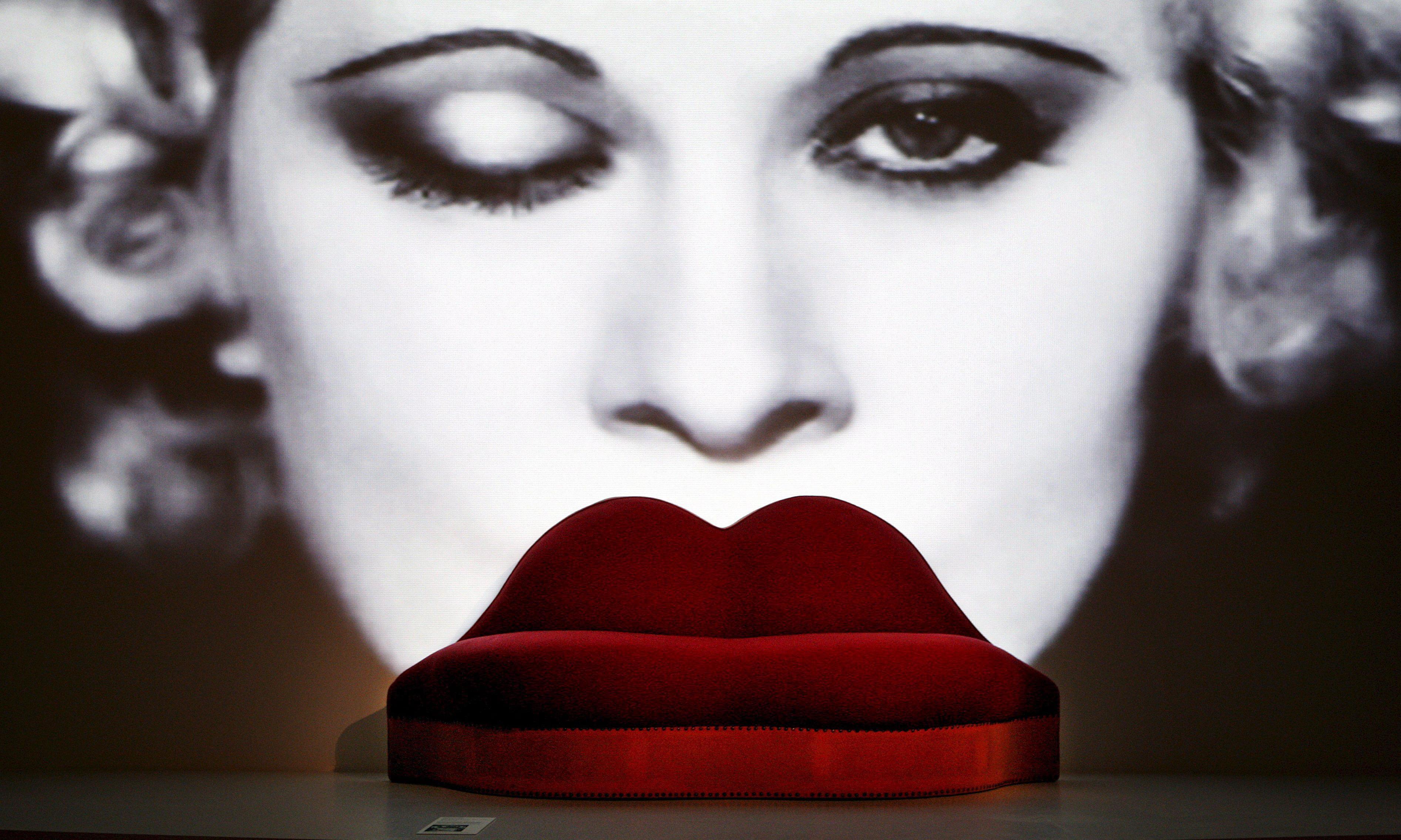 Mae West lips sofa among UK treasures saved for the nation
