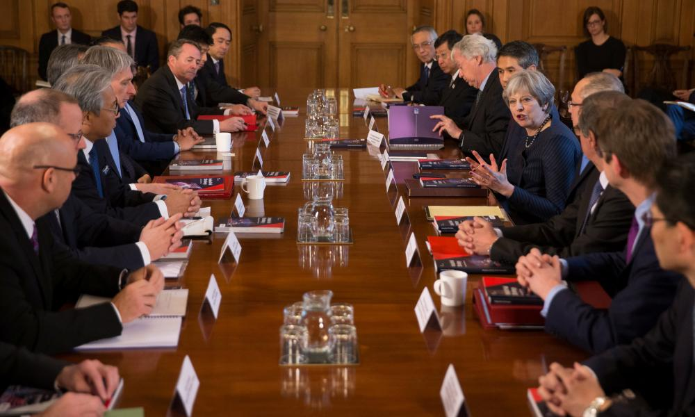 Theresa May meets with Japanese carmakers in Downing Street