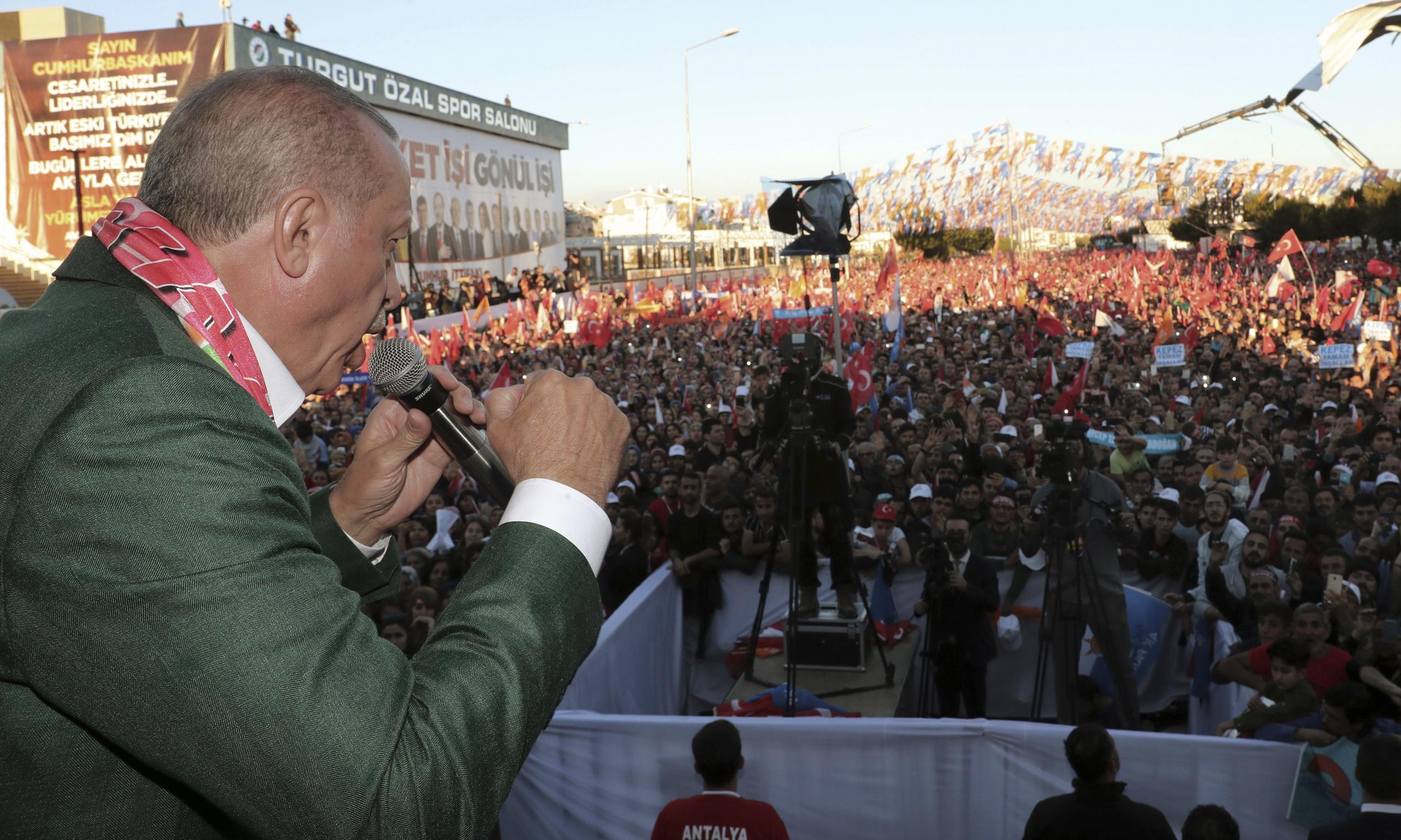 Erdoğan shows Christchurch attack footage at rallies