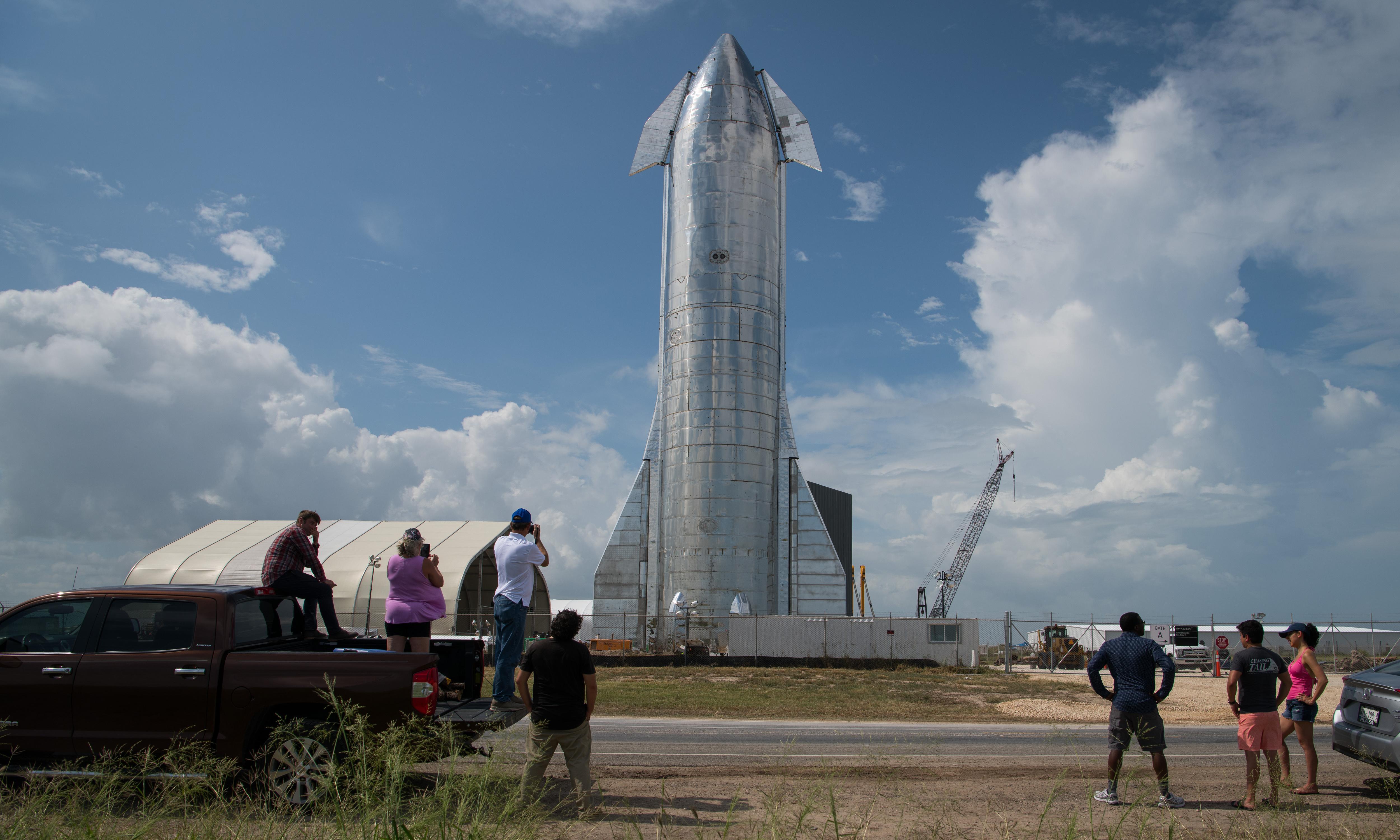 Elon Musk unveils Starship designed to take crew on round-trips to Mars