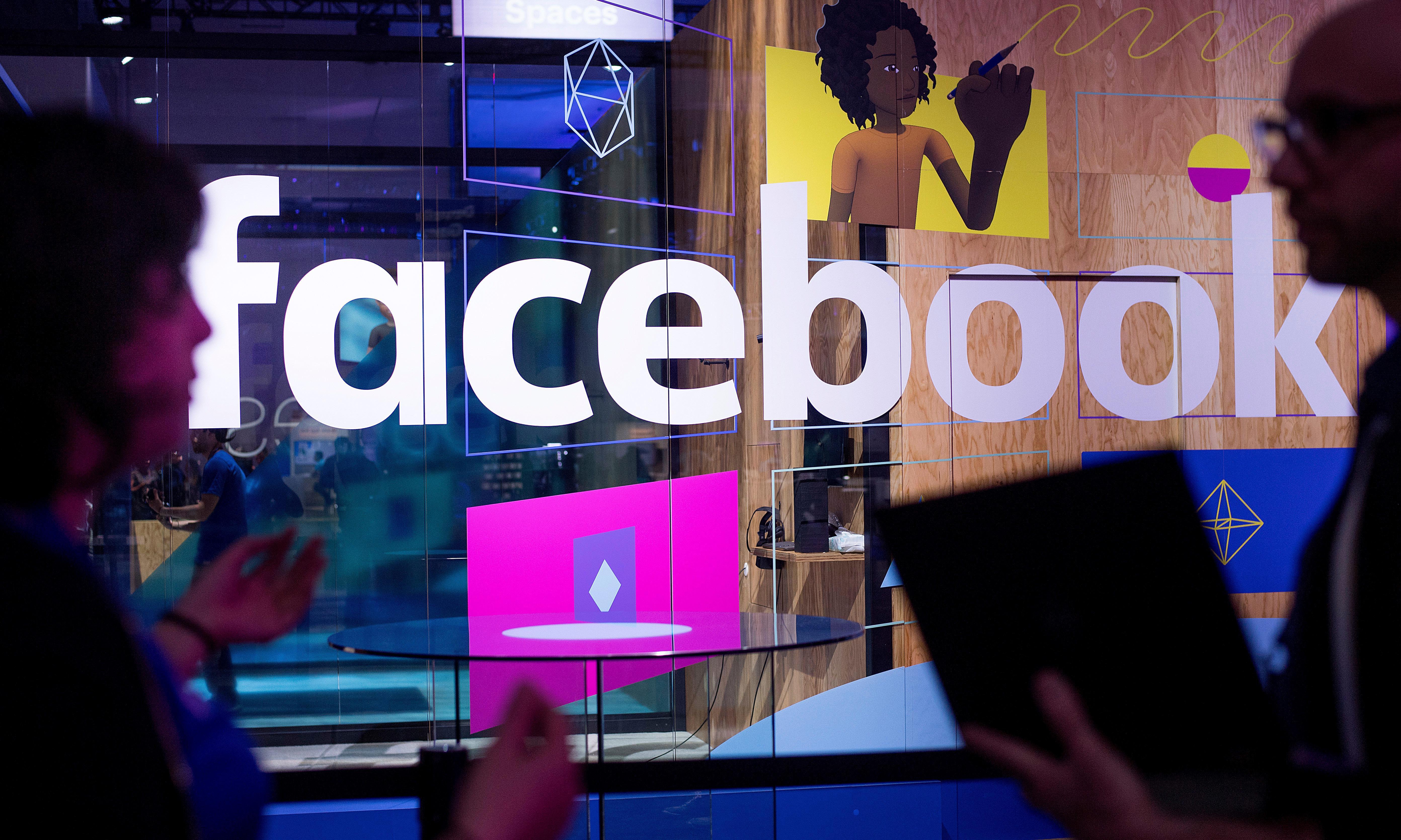 Facebook admits bug allowed apps to see hidden photos