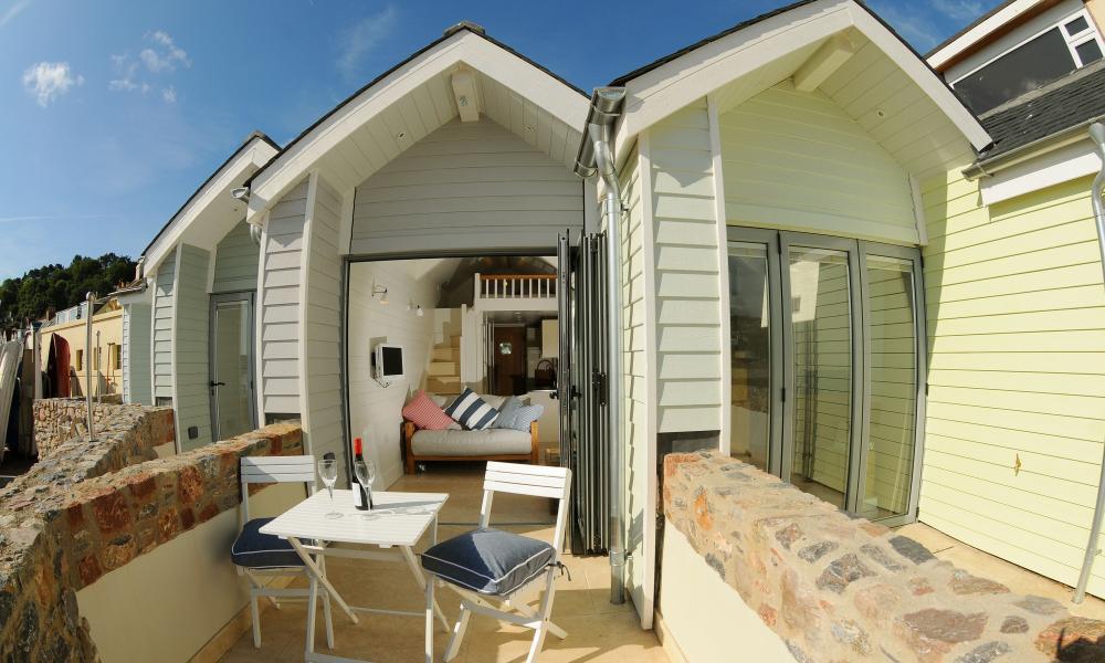 Hut stuff bournemouth s new beach lodges tripulous for Beach hut style