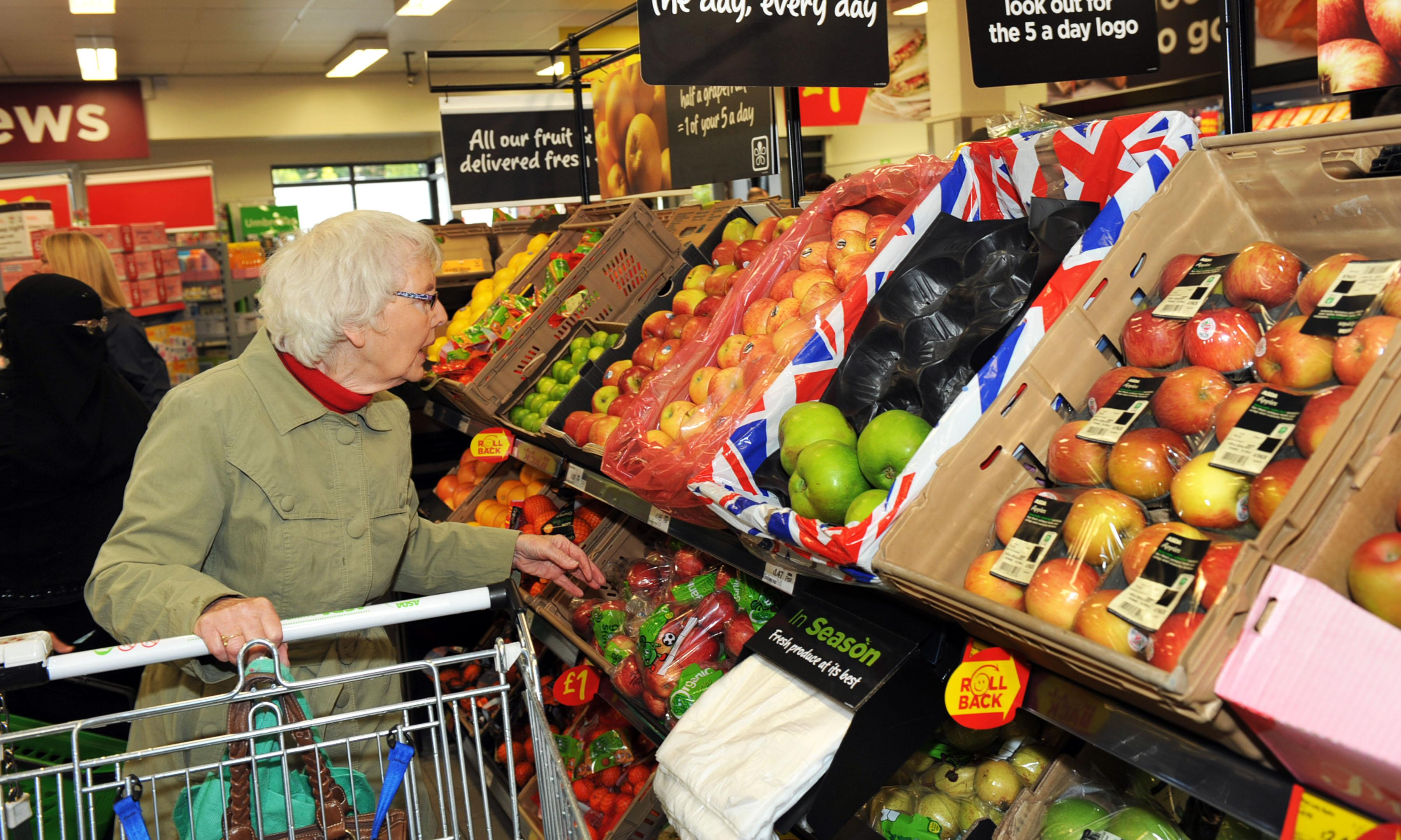 Tesco begins plastic-free trial for selection of fruit and veg