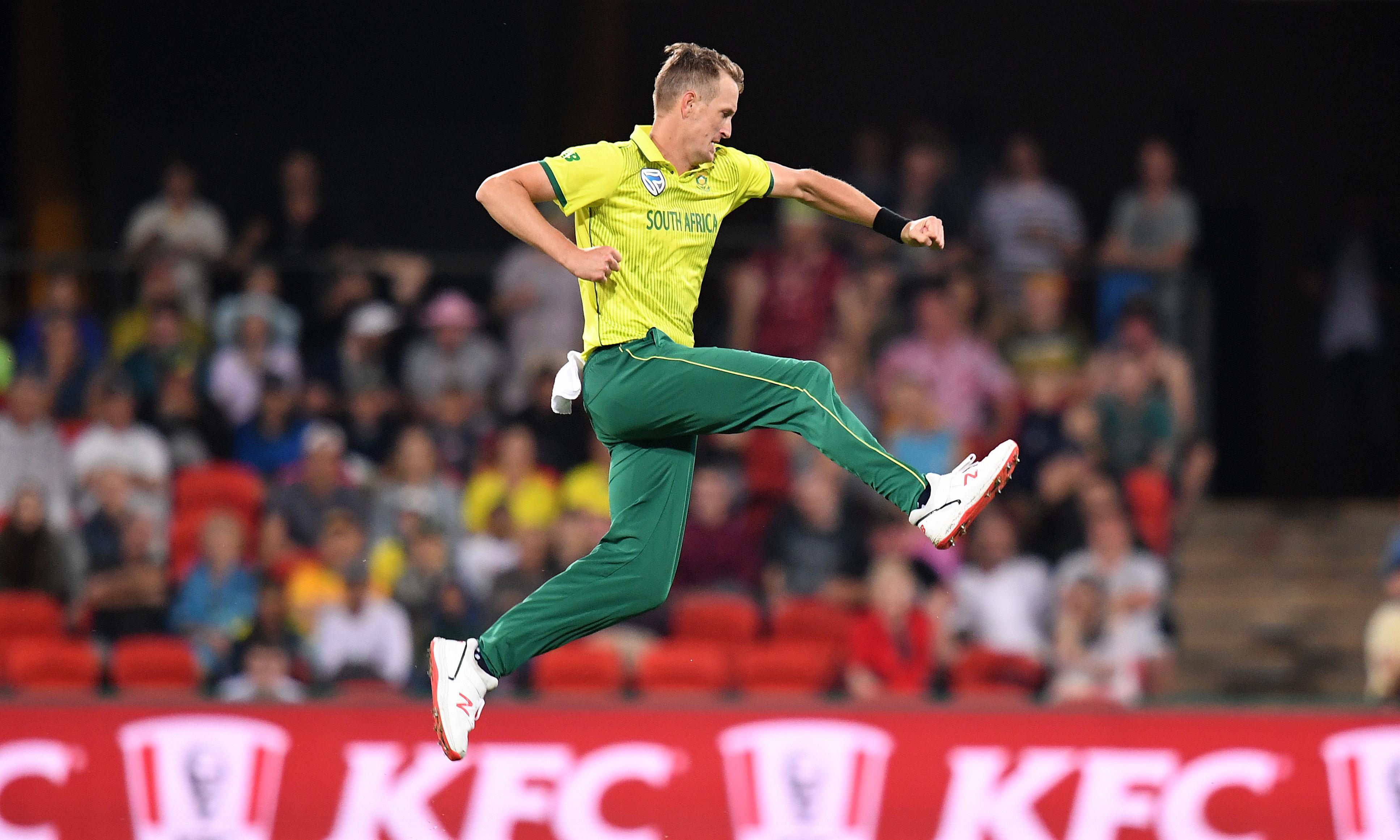 Chris Morris the hero as South Africa beat Australia in truncated T20