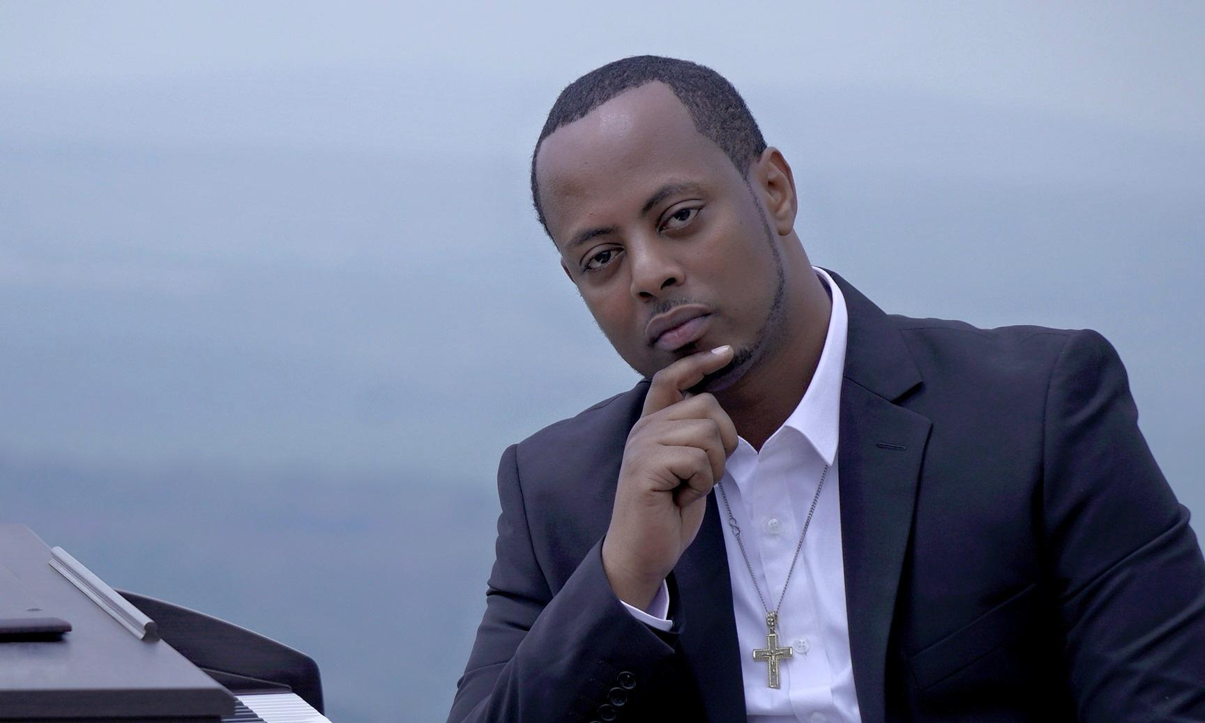 Rwandan gospel singer and critic of president dies in police cell