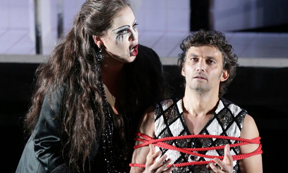 Jonas Kaufmann and Elena Manistina in Bavarian State Opera's 2013 production of Il Trovatore