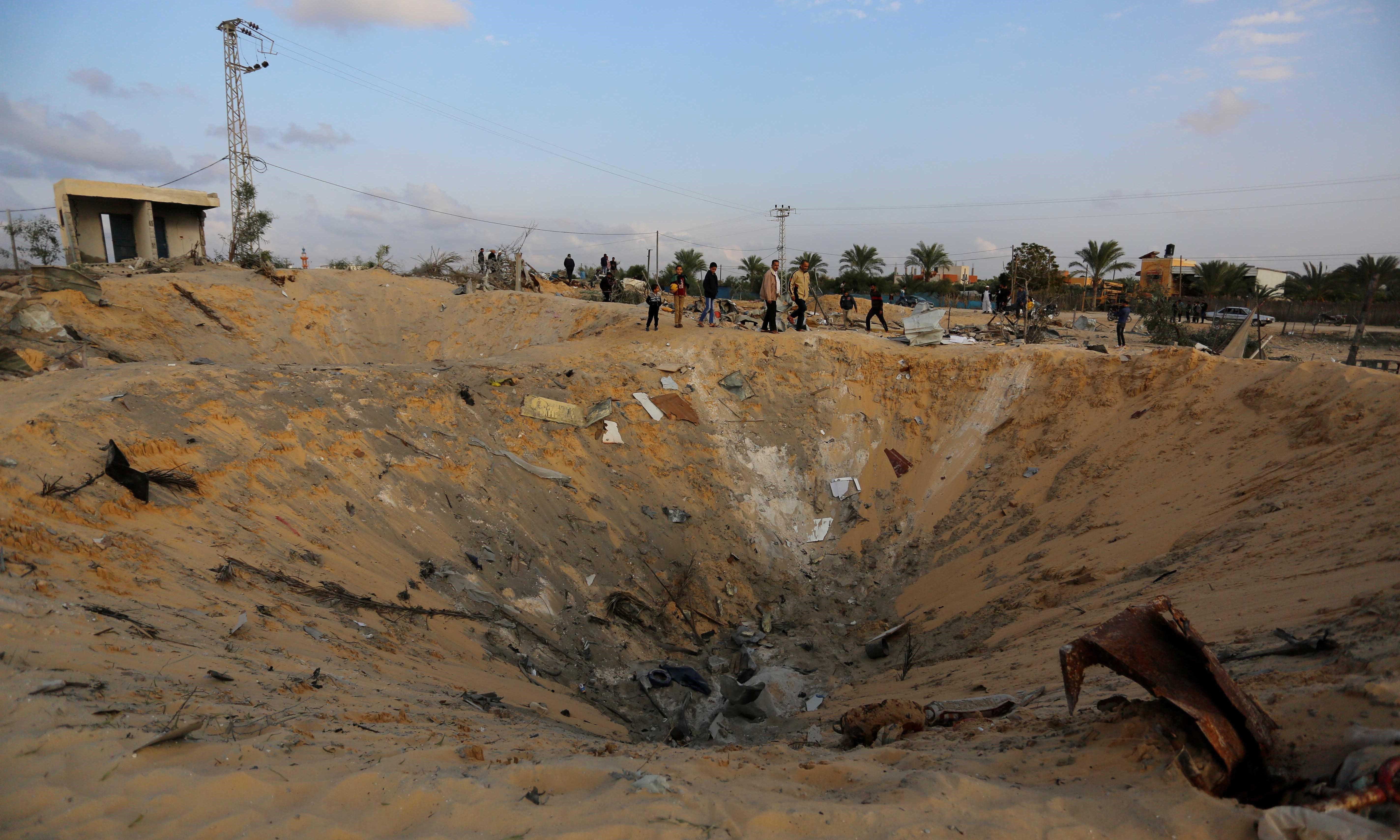 Israel targets Hamas in fresh strikes on Gaza