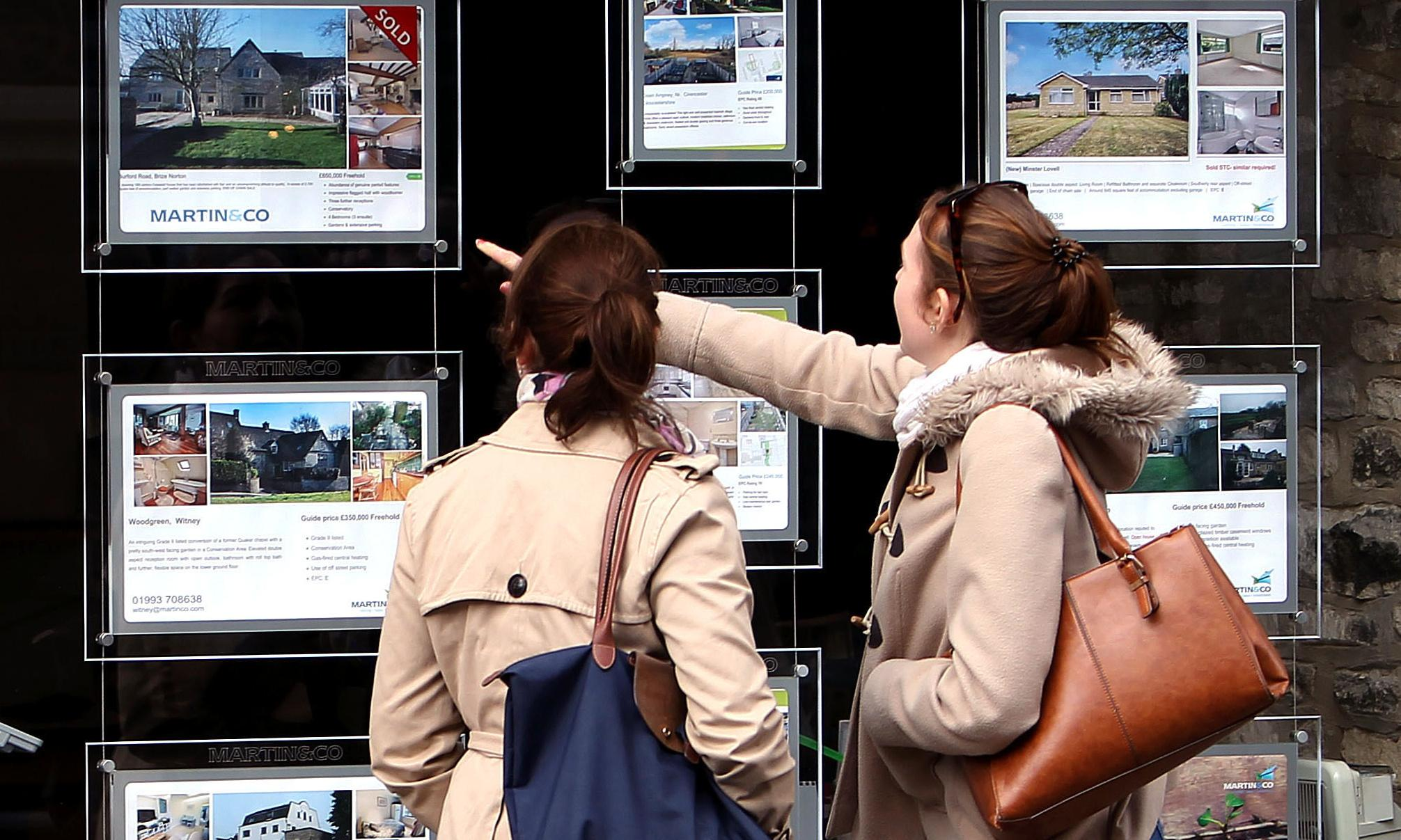 House prices fall unexpectedly as pre-Brexit caution bites