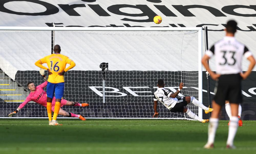 Cavaleiro misses from the penalty spot