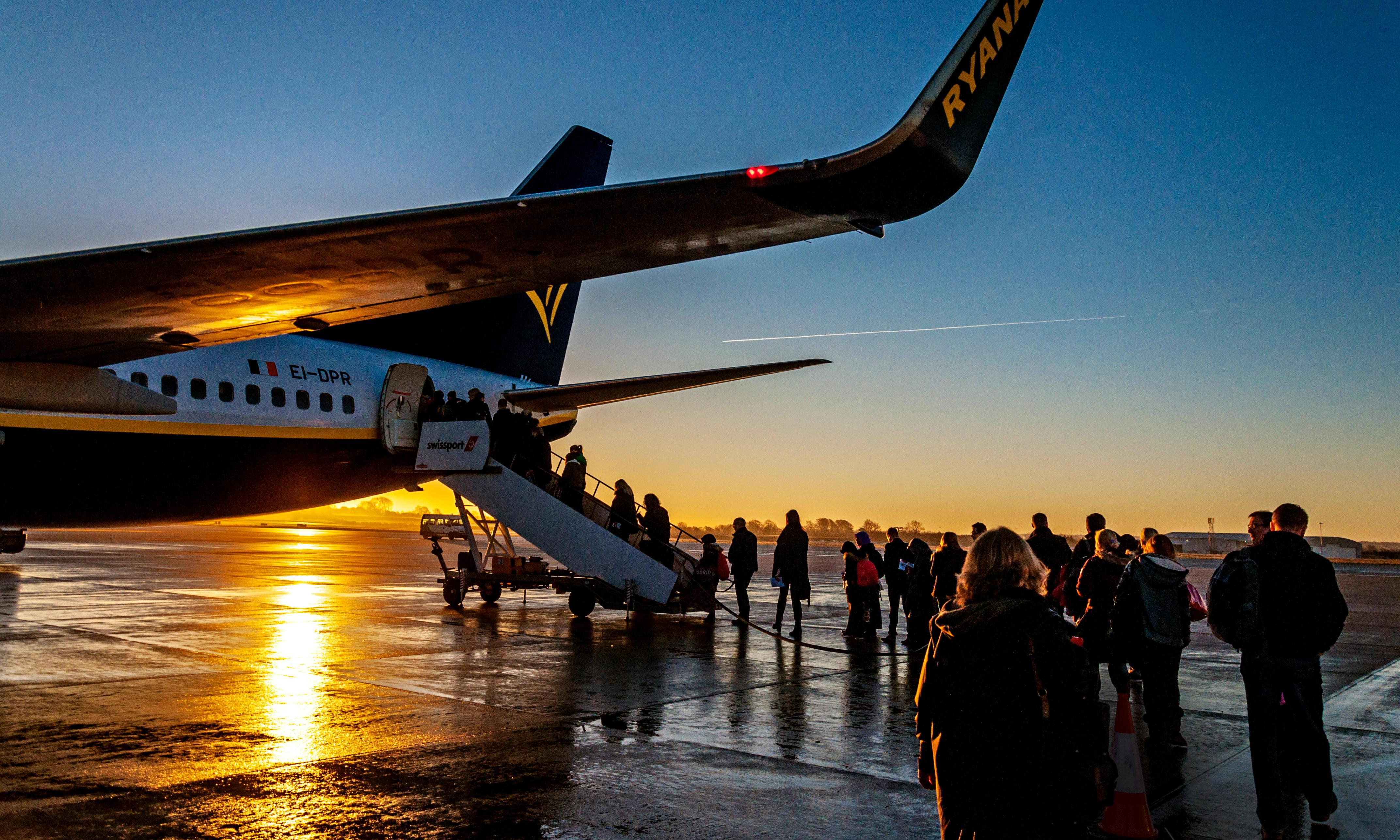 1% of English residents take one-fifth of overseas flights, survey shows