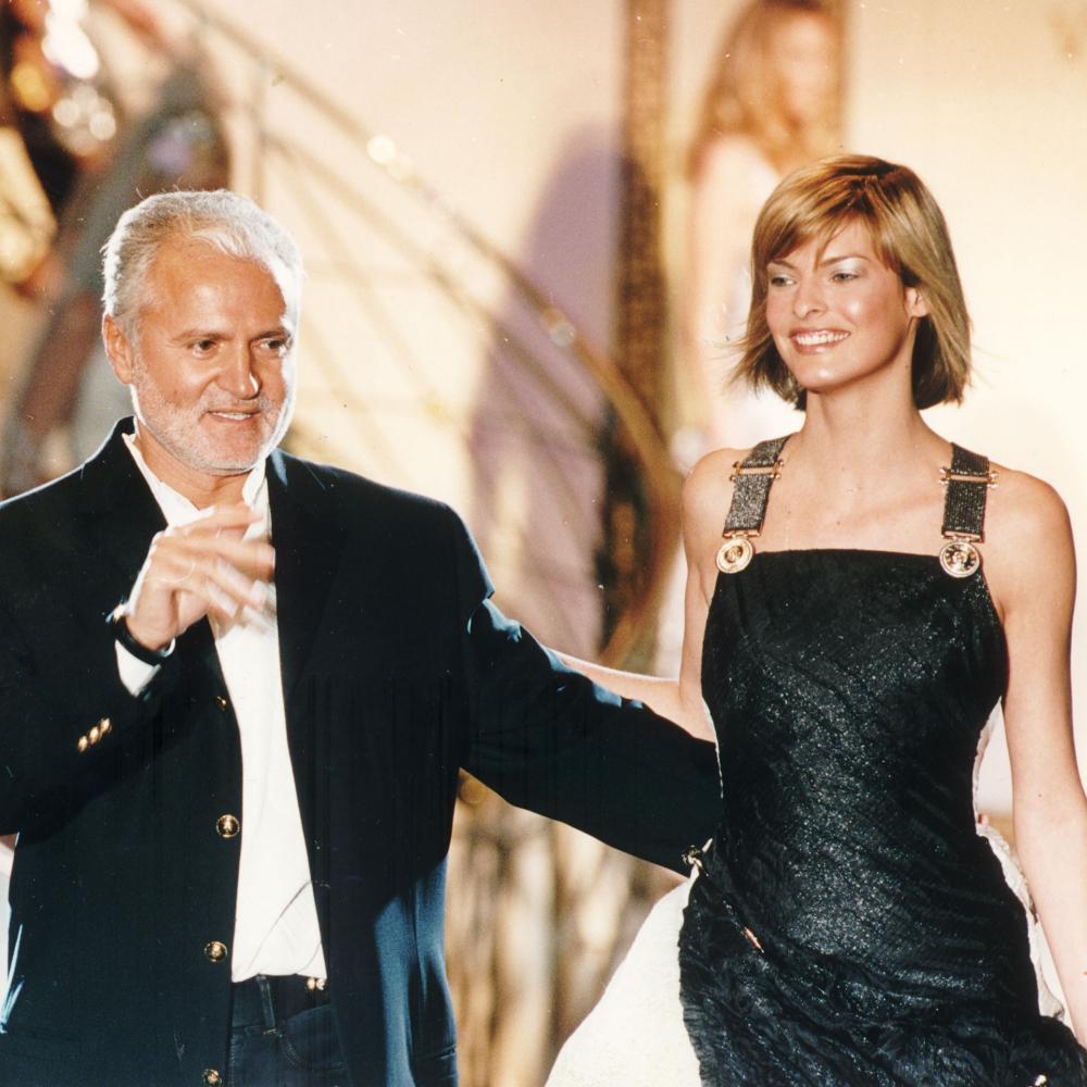 Gianni Versace with Claudia Schiffer (left) and Linda Evangelista