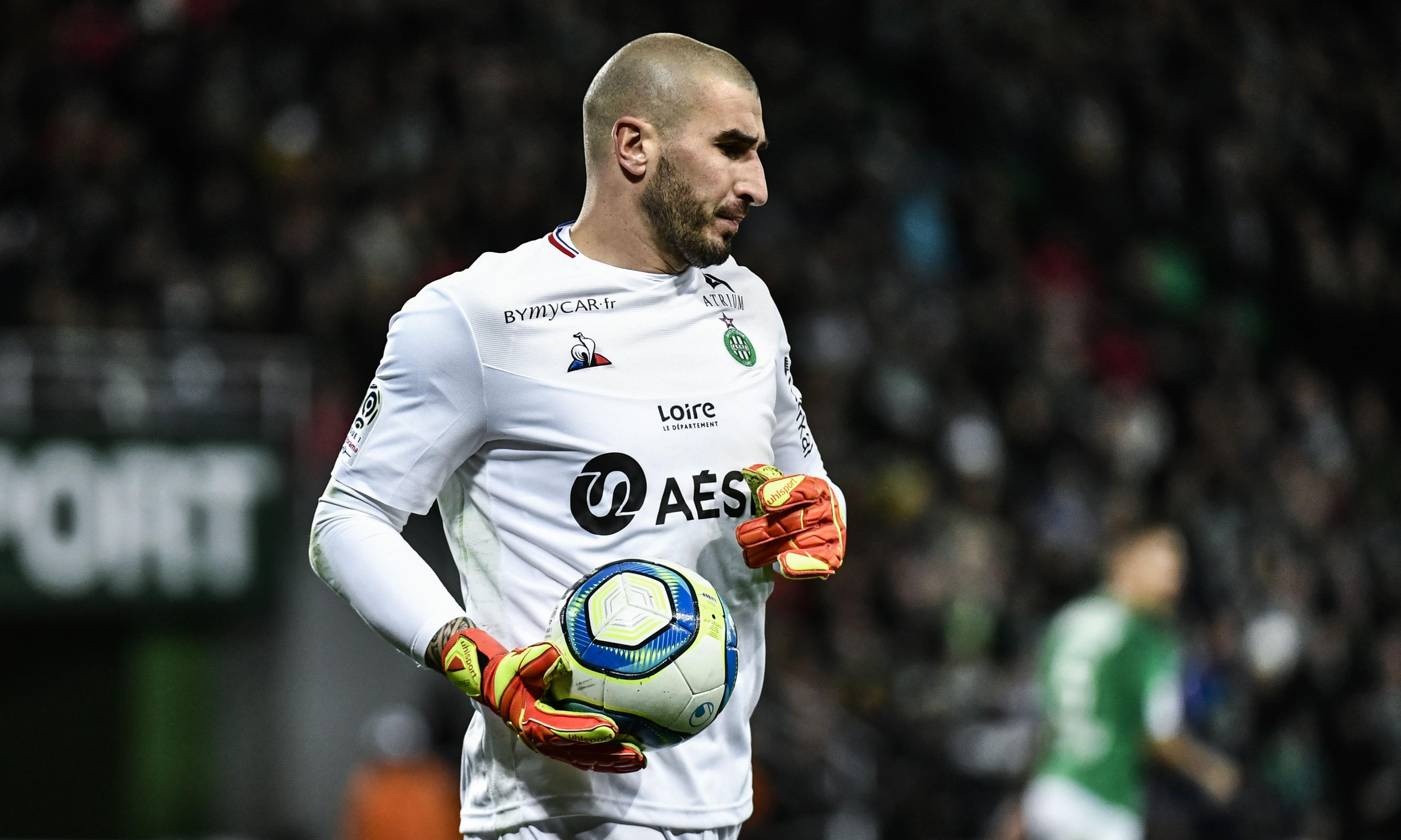 In praise of Stéphane Ruffier, the most underrated goalkeeper in Europe