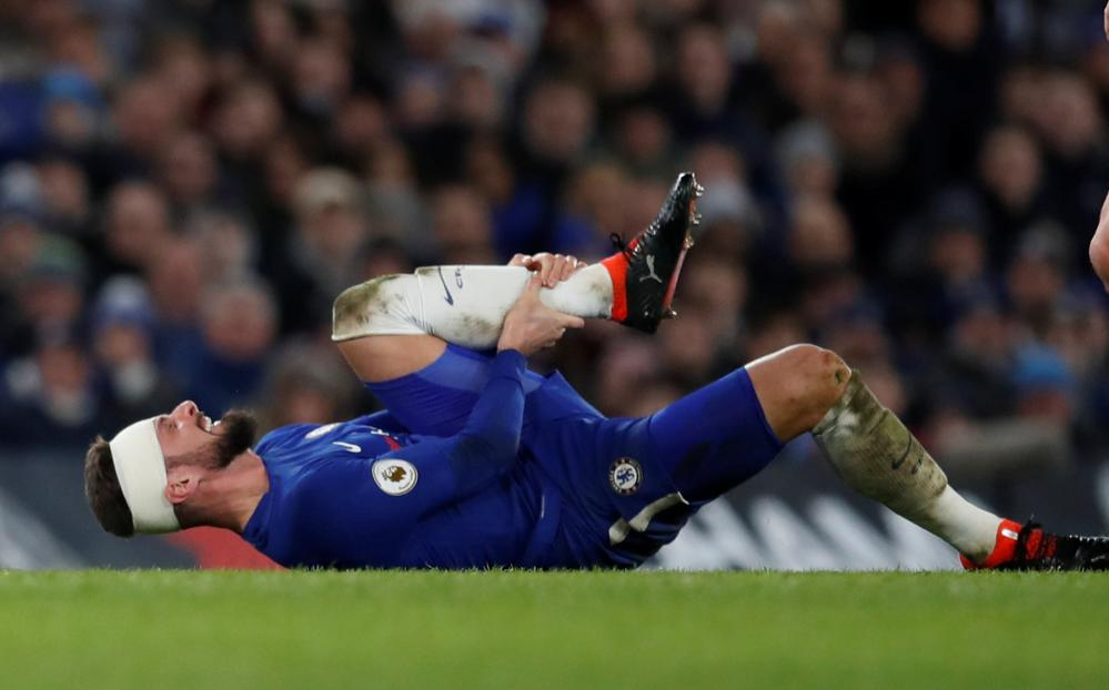 Chelsea's Olivier Giroud sustains another injury.