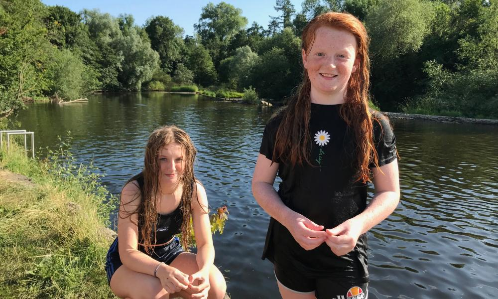 Sophie and Ciara Comerford at the Weir by the Nore river in Kilkenny, Ireland.