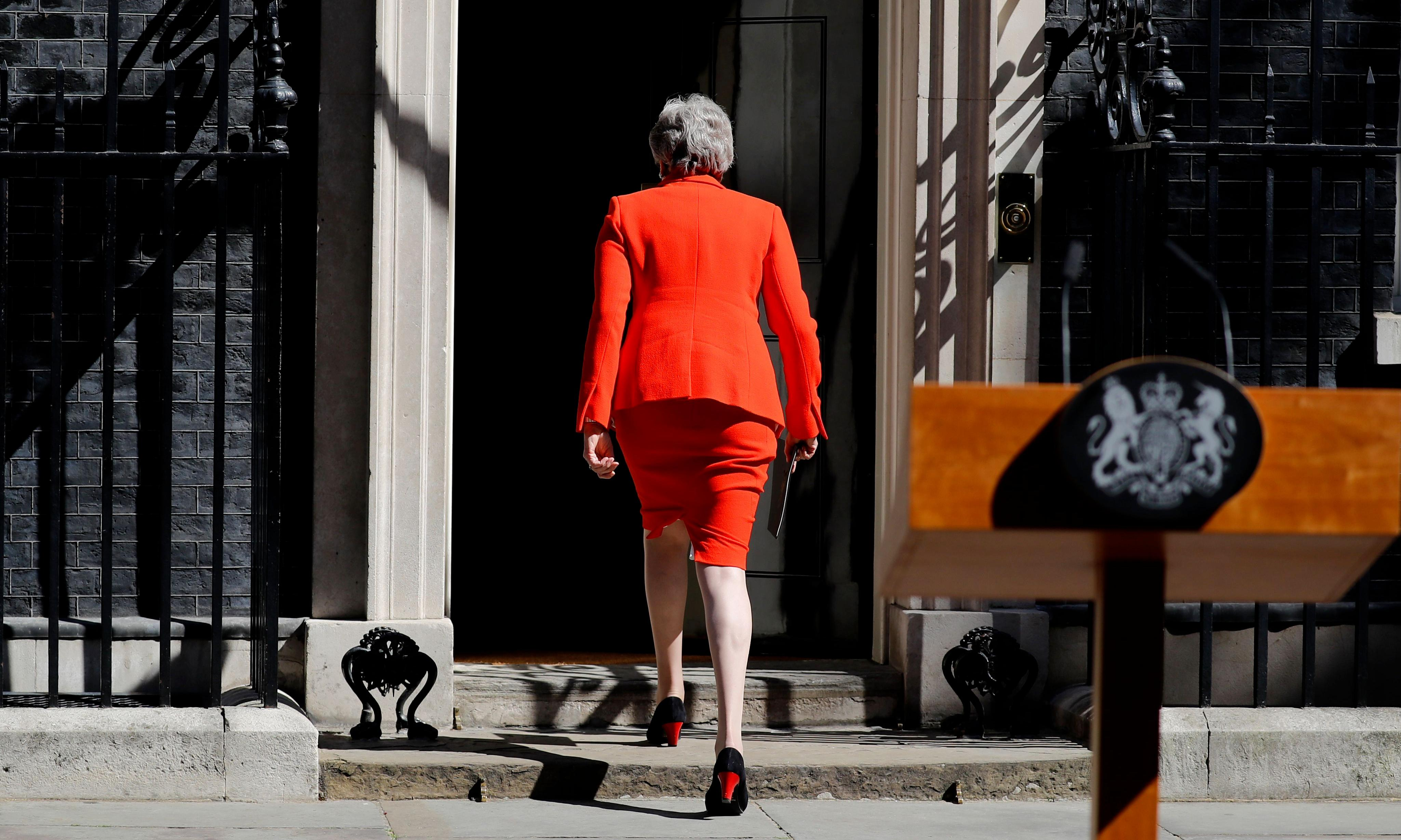 As she says goodbye, Maybot finally shows her humanity
