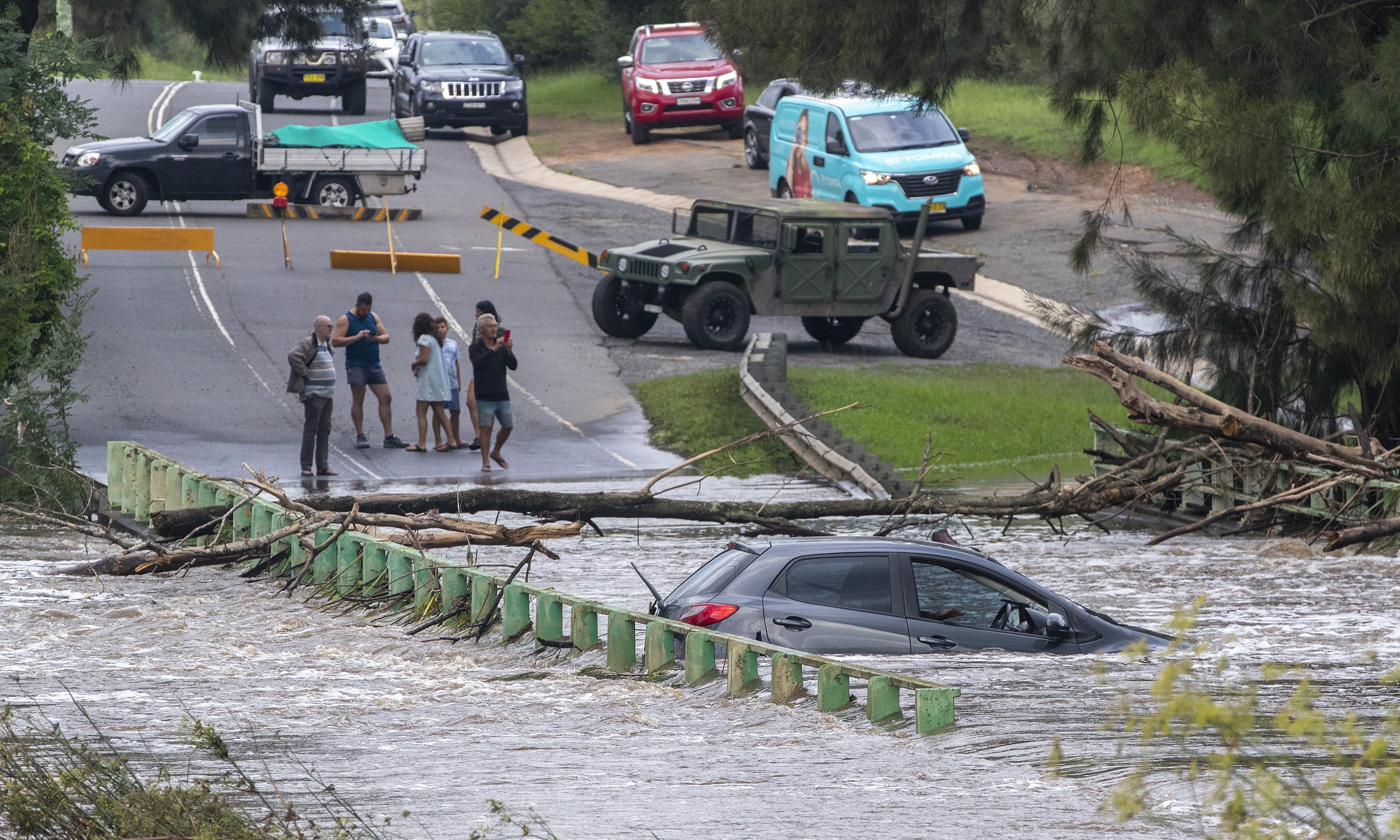 Rain deluge in eastern Australia set to extinguish NSW bushfires this week