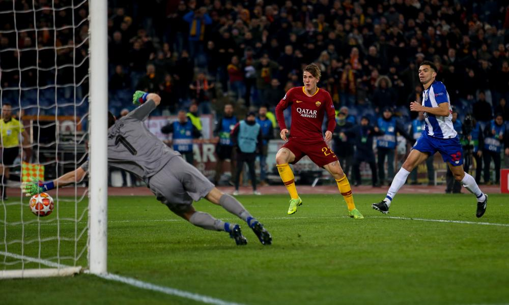 Nicolo Zaniolo puts the rebound away.