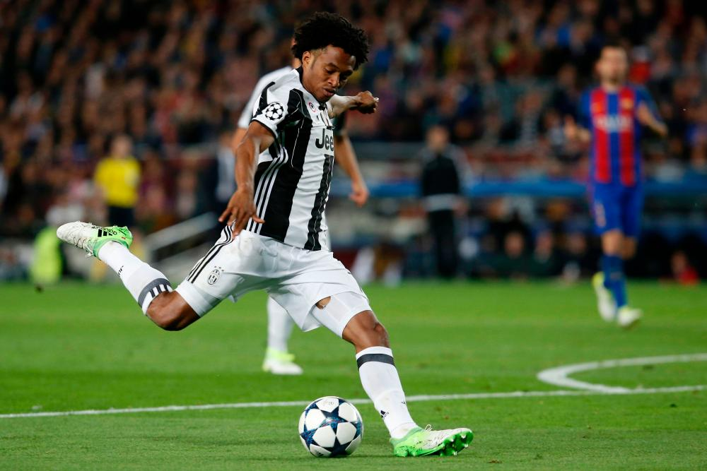 Cuadrado shoots wide.