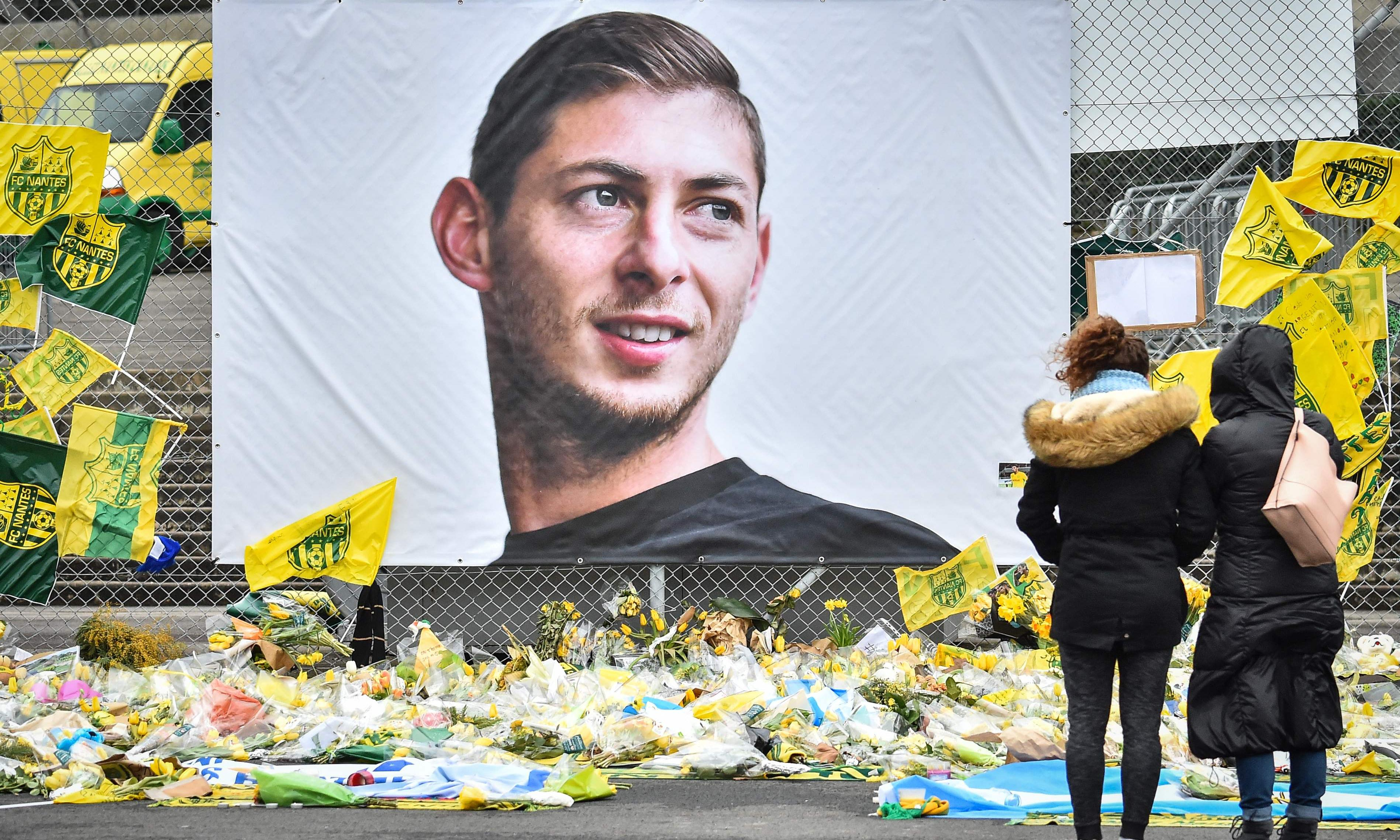 Emiliano Sala and crash pilot 'probably poisoned by fumes'