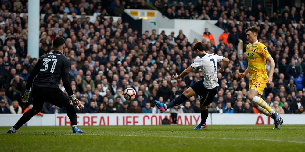 Son scores his second, Tottenham's third.