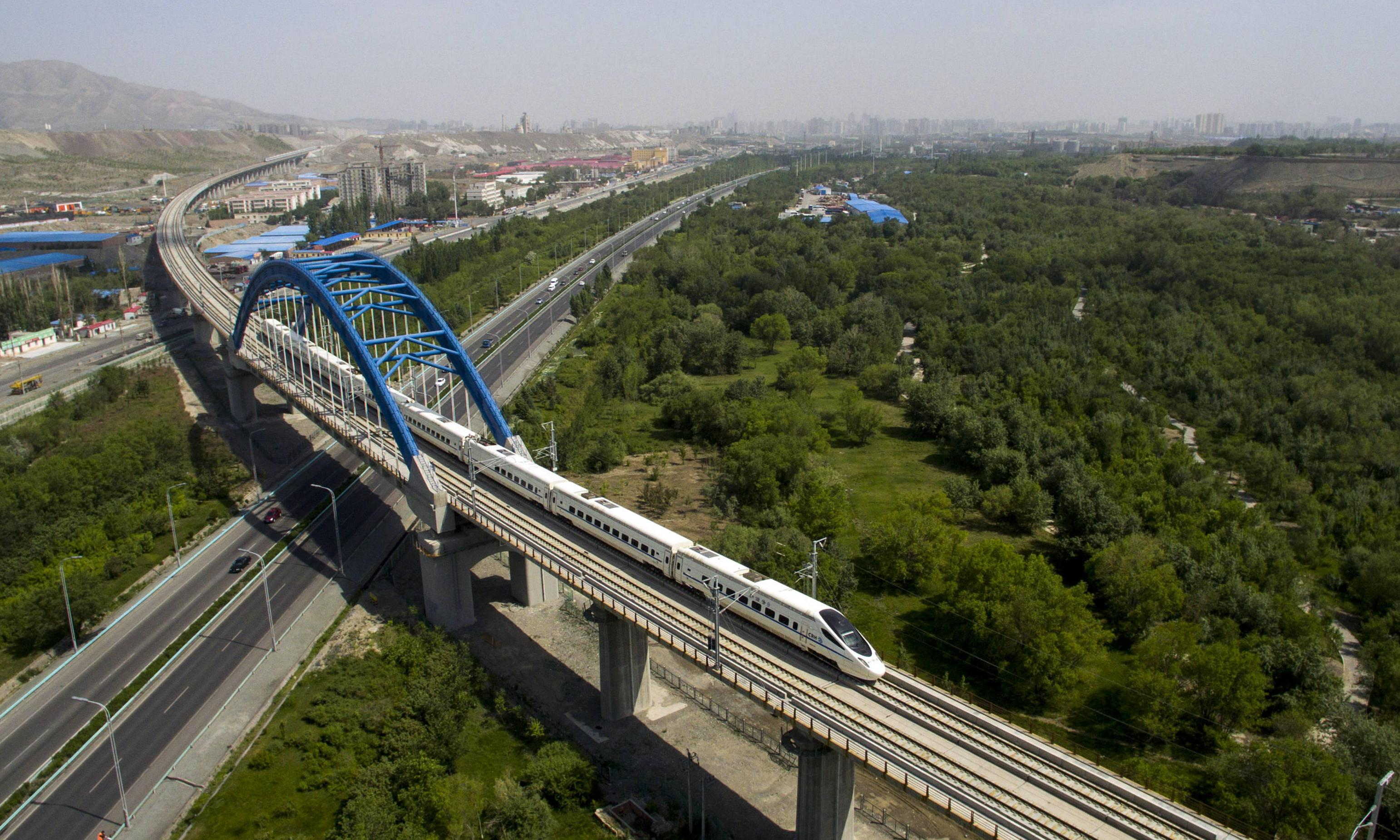 How to book and travel by high-speed train around China